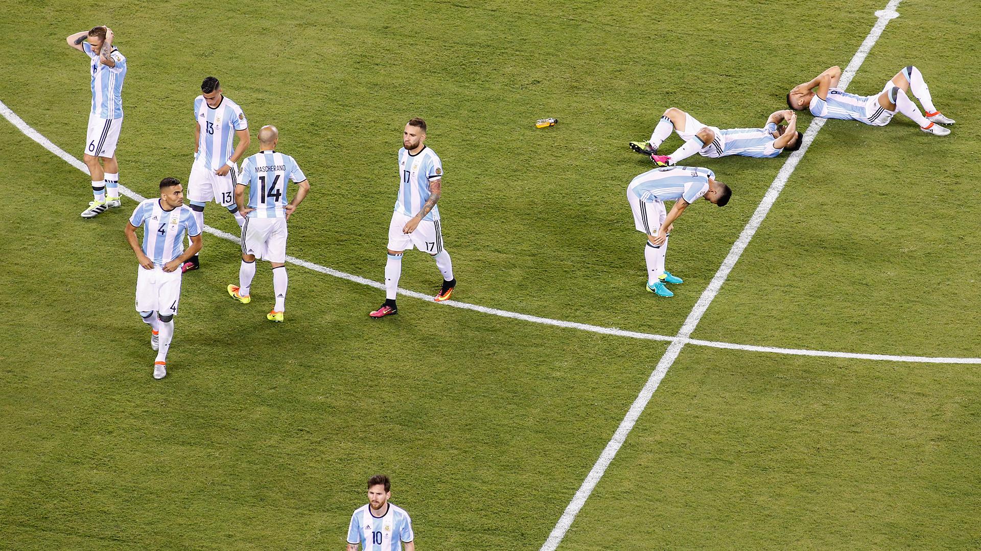 La tristeza de los jugadores argentinos (EFE)