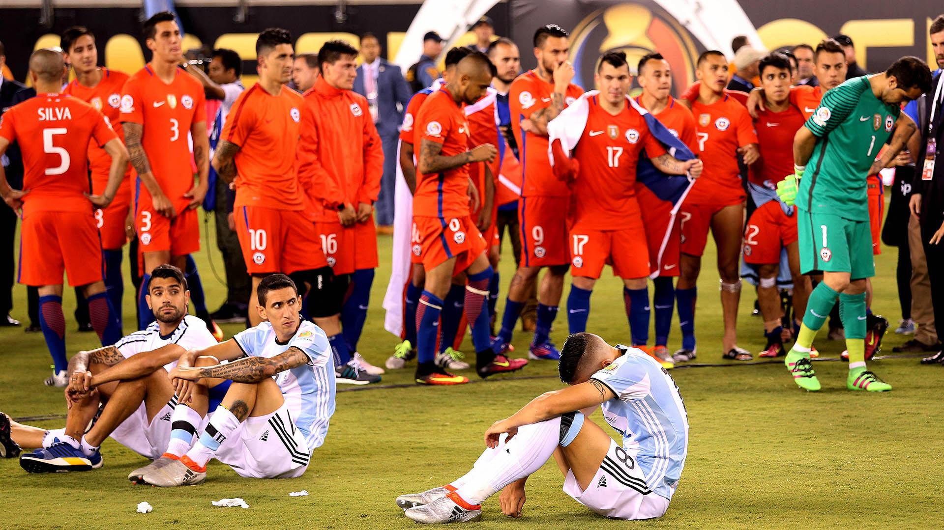 El seleccionado argentino, al igual que hace un año en Santiago, perdió por penales ante Chile 4-2 (Télam)