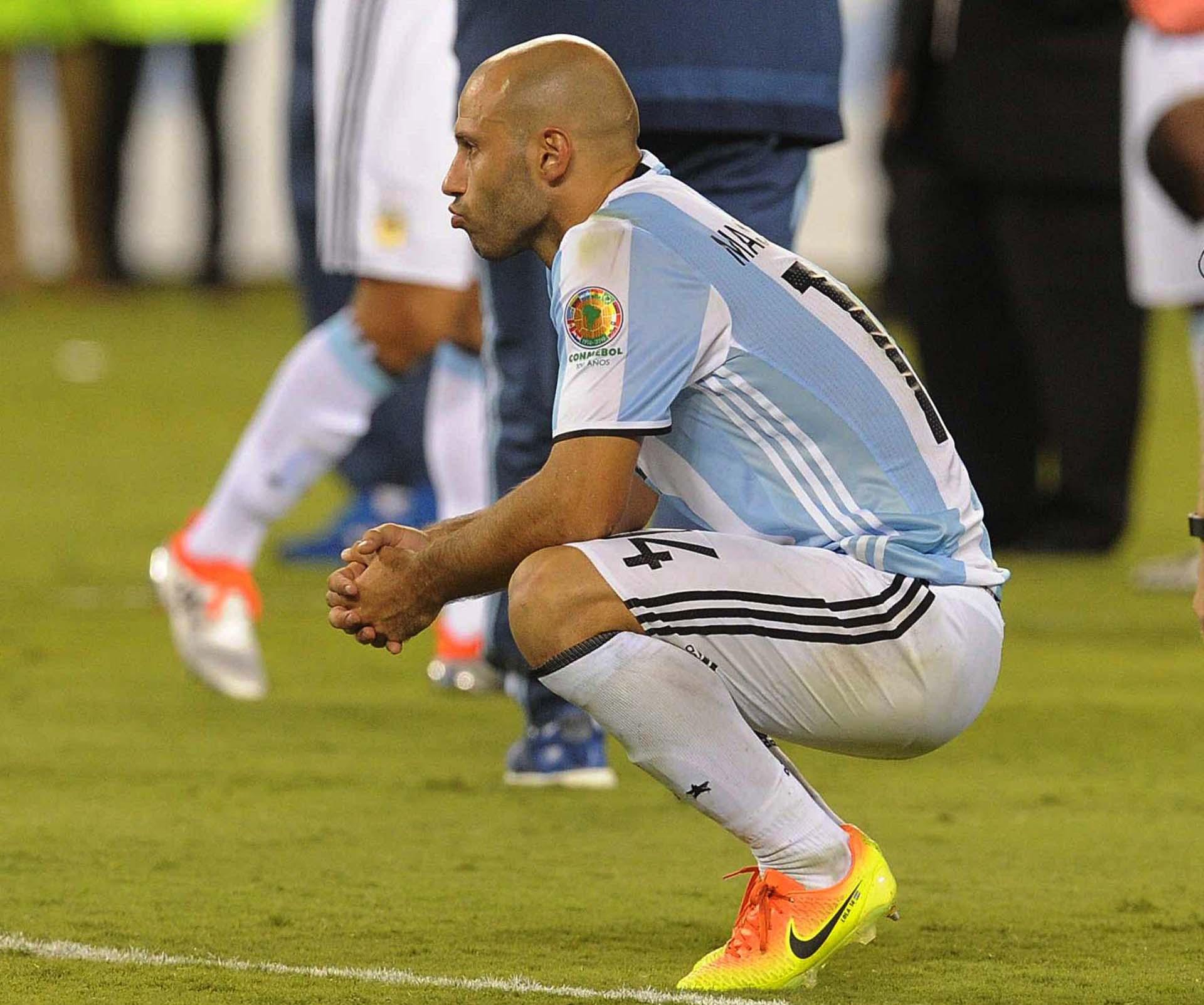 El llanto de Javier Mascherano al finalizar el partido (Télam)