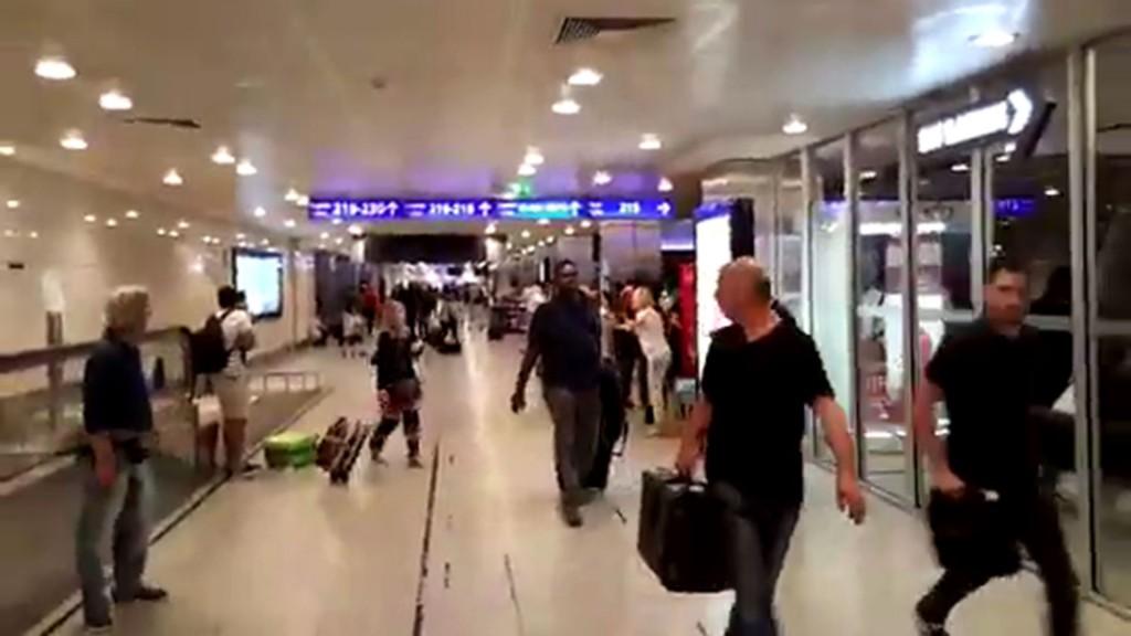 En el interior del aeropuerto hubo caos y pánico