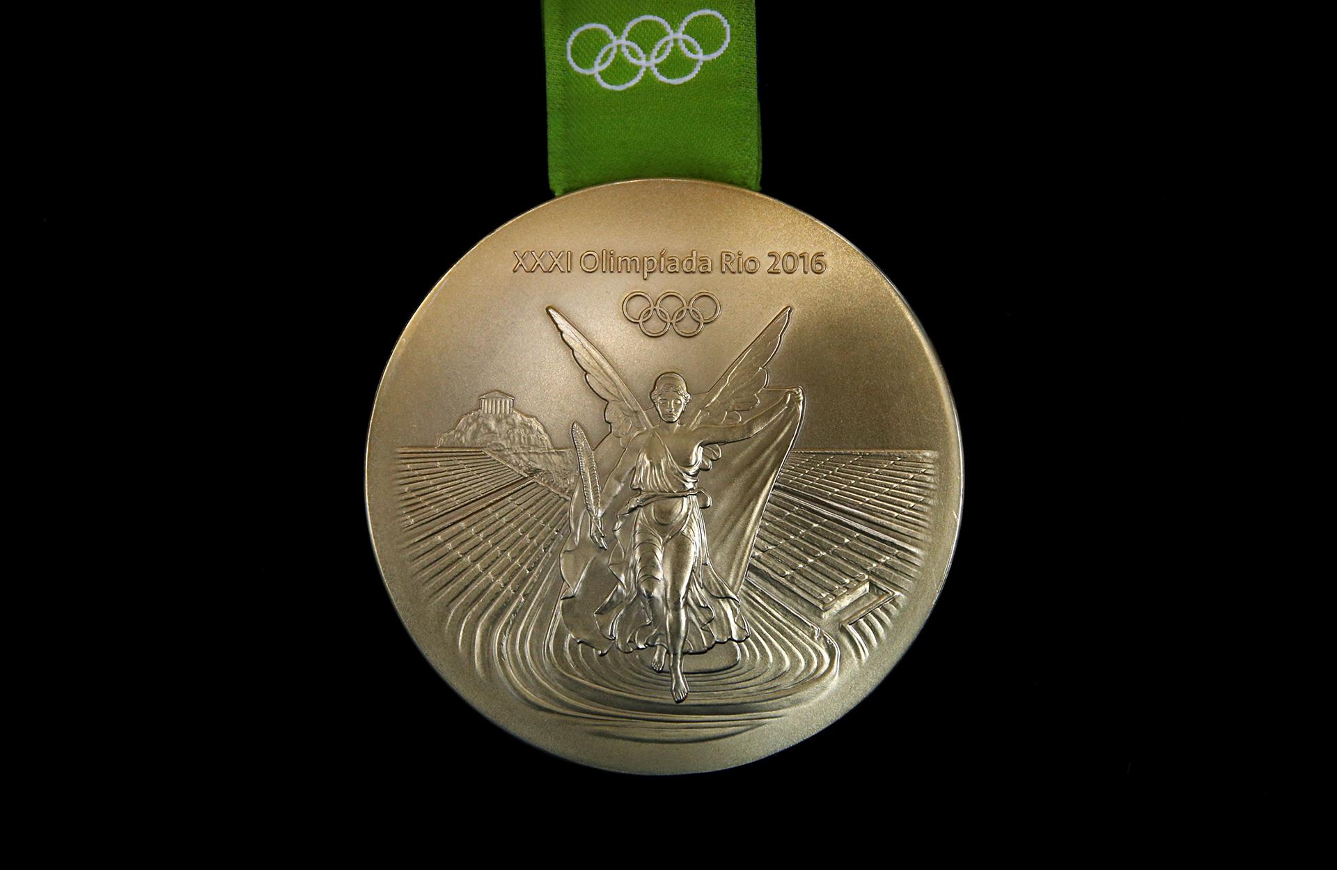 Cada una de las 5.130 medallas olímpicas y paralímpicas tarda aproximadamente 48 horas en hacerse (Reuters)