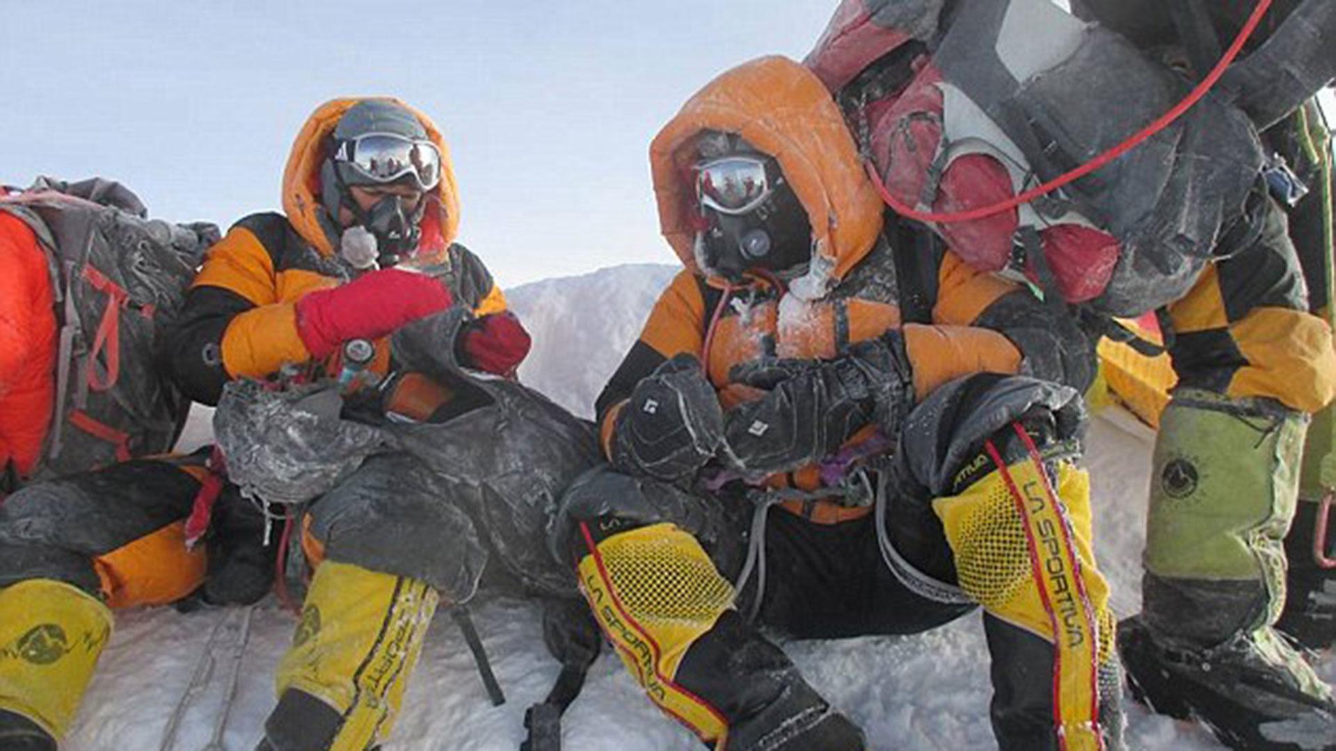 Los Rathod publicaron esta foto en su cuenta de Facebook. Sin embargo, pertenecía a Satyarup Siddhanta, otro escalador que había hecho cumbre en el Everest tiempo atrás