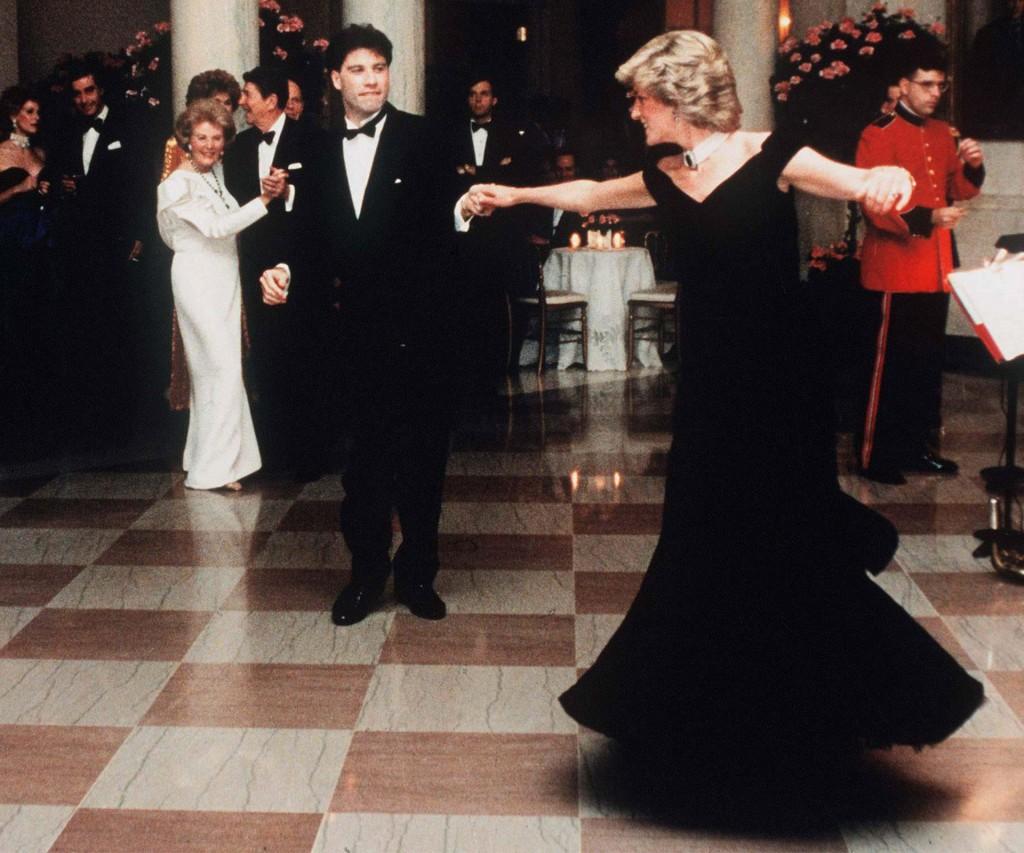 Lady Di y John Travolta, en un baile que se convirtió en leyenda