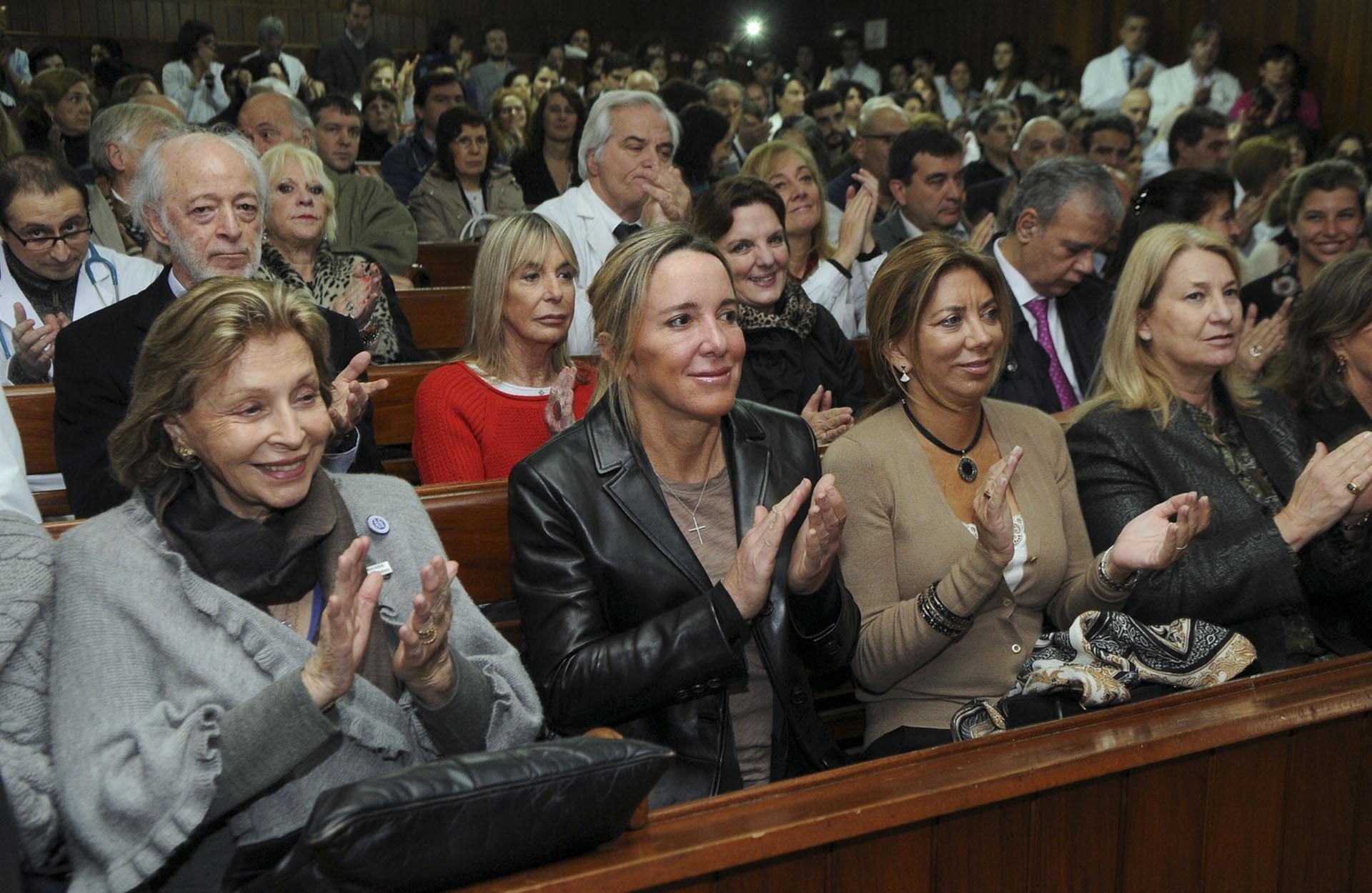 Mercedes Von Dietrichstein de Zemborain, presidenta honoraria de la Fundación; Veronica Zoani, Bettina Bulgheroni y María Taquini de Blaquier, vicepresidente de esa entidad