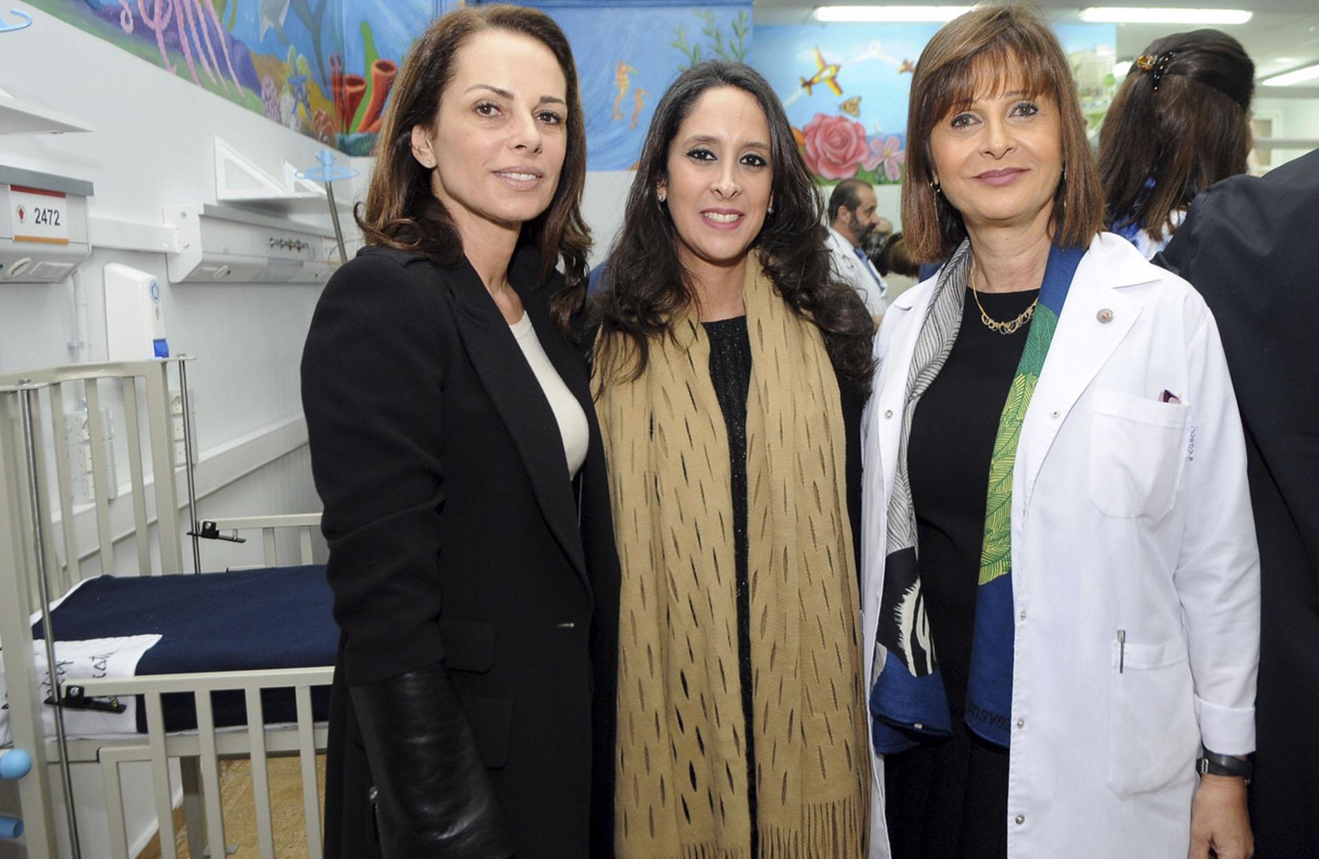 Nathalie Sielecki junto a Vanesa de Noble Herrera y Myriam Levi