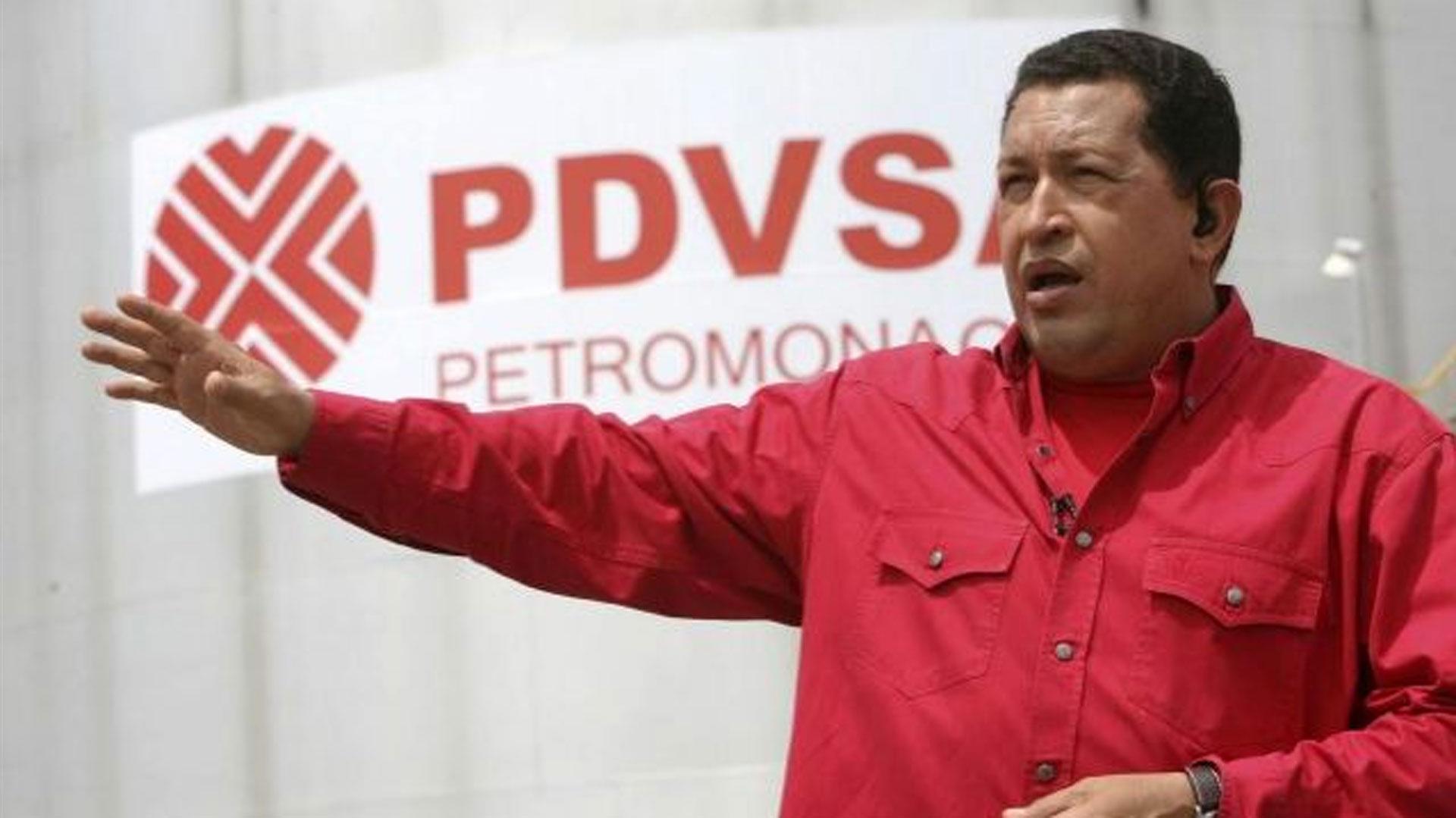 Hugo Chávez usó los recursos de PDVSA para expandir su influencia política en la región