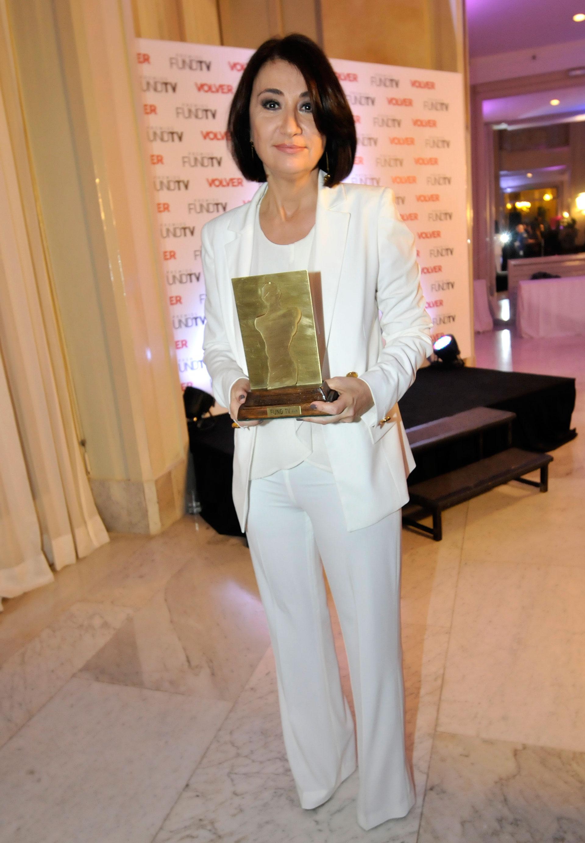 María Laura Santillán también fue premiada por su labor