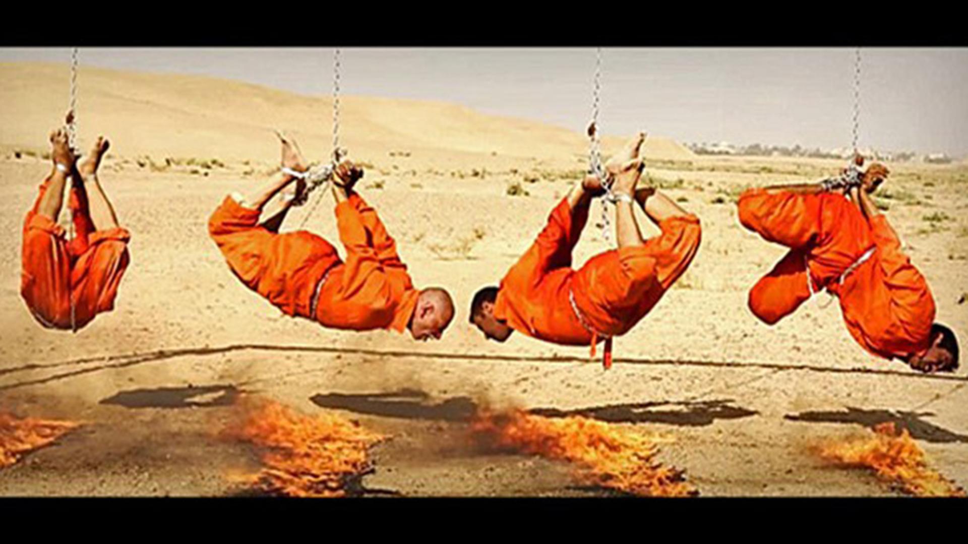 Una de las tantas brutales ejecuciones del Estado Islámico cometida contra cuatro de sus rehenes.
