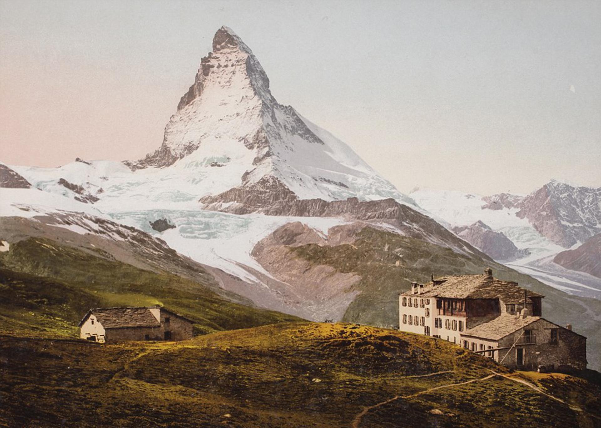 El Hotel Riffelhaus, en Riffelberg, Suiza. La vista del Matterhorn corona la imagen