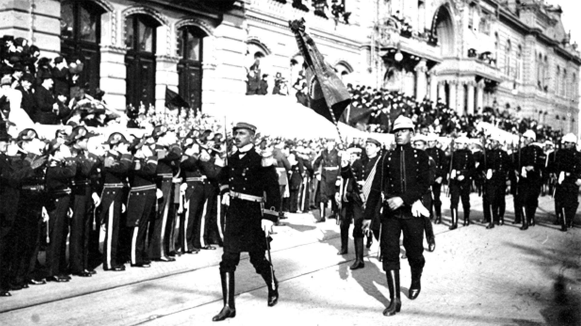 Representantes de la Armada de Brasil desfilaronpor las calles porteñas.