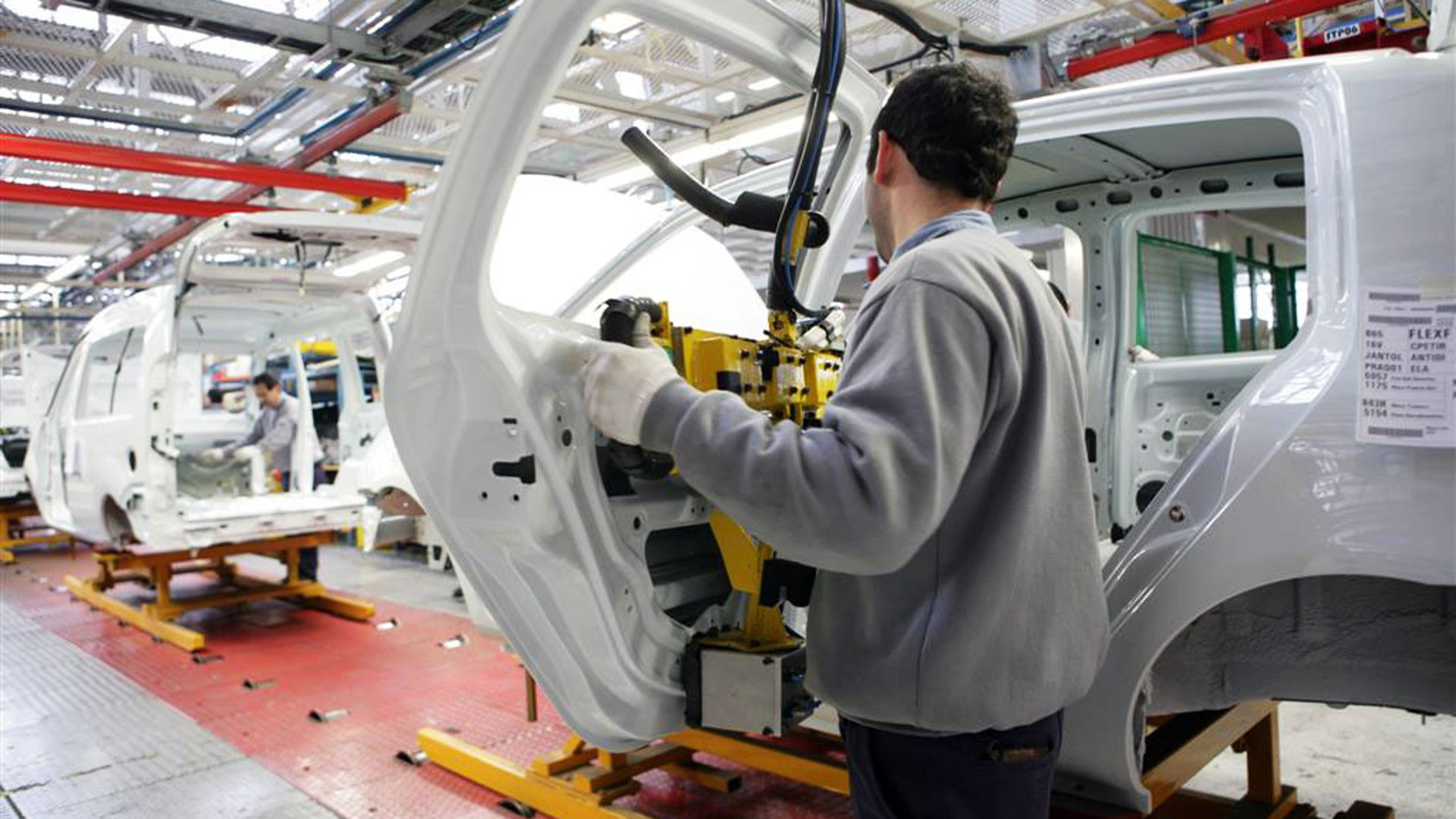 La industria argentina cayó a la menor productividad desde 2007.