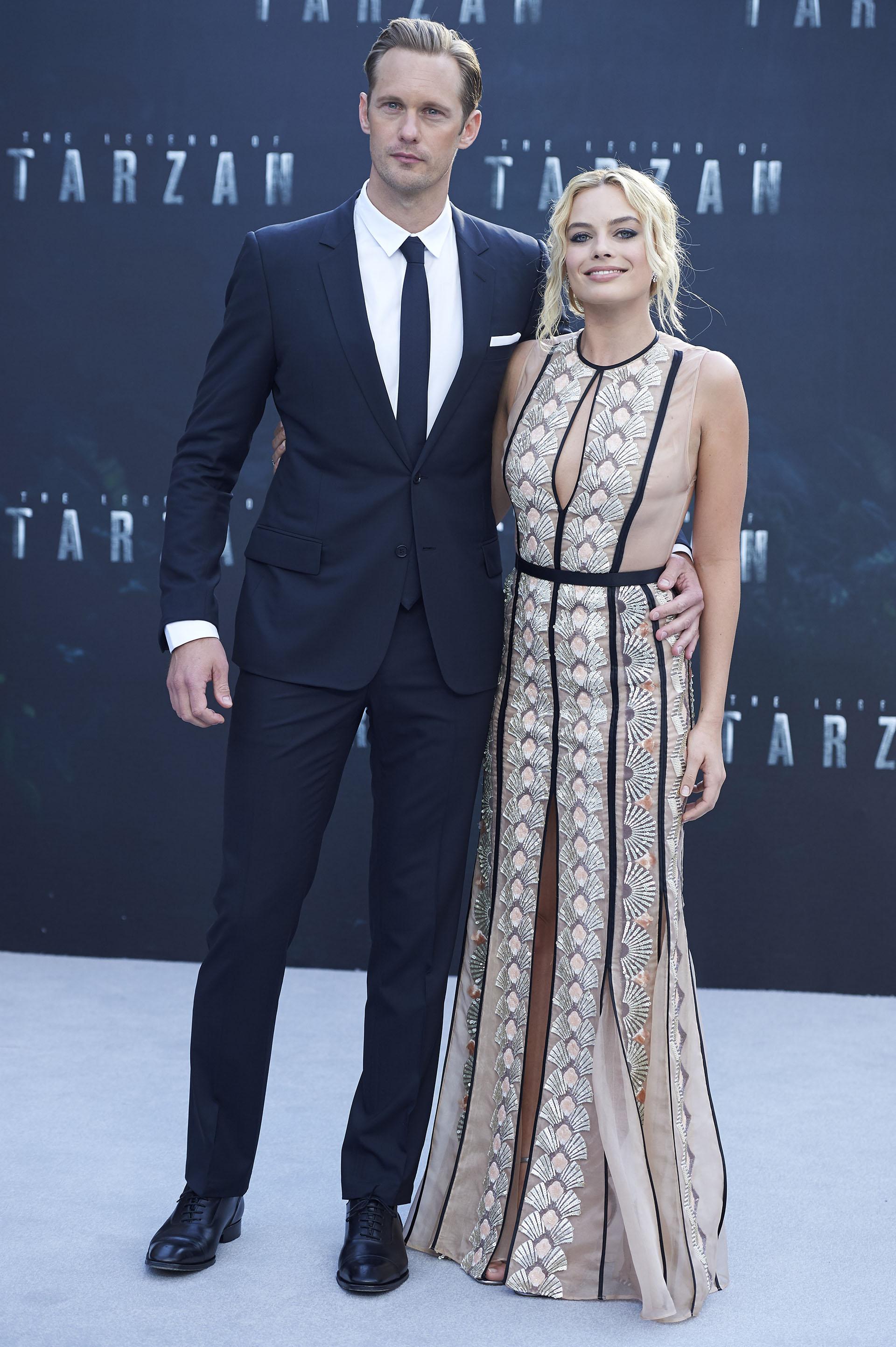 Margot Robbie junto a Alexander Skarsgård, el actor sueco que interpreta a Tarzán