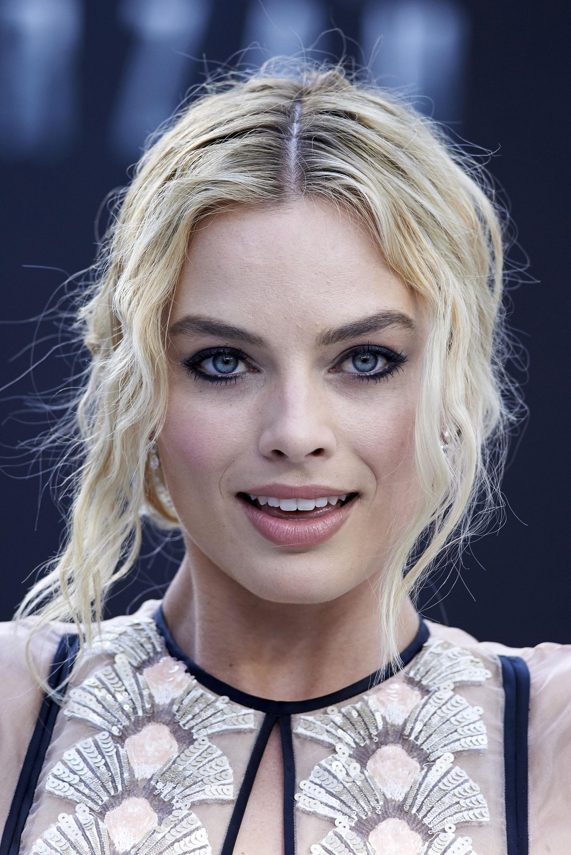 """Con apenas 26 años, Margot Robbie se convirtió en una celebridad después de haber interpretado a Donna Freedman en la serie australiana """"Neighbours"""" y a Naomi Lapaglia en la película """"El lobo de Wall Street"""""""