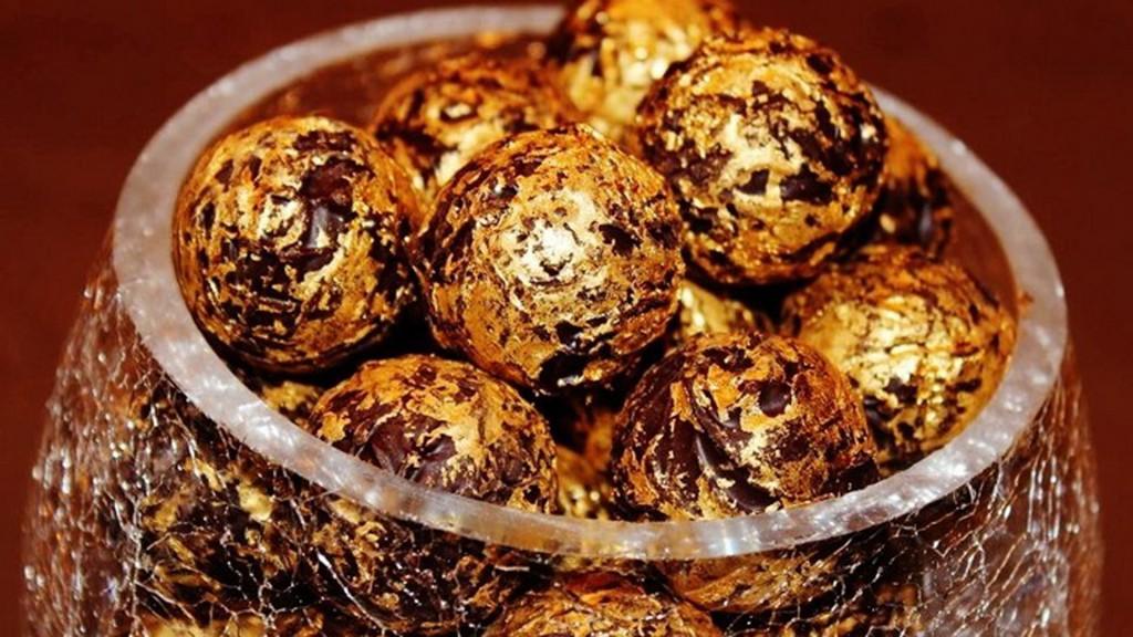 La referencia suiza de la espectacularidad del chocolate: 24 kilates de oro comestible