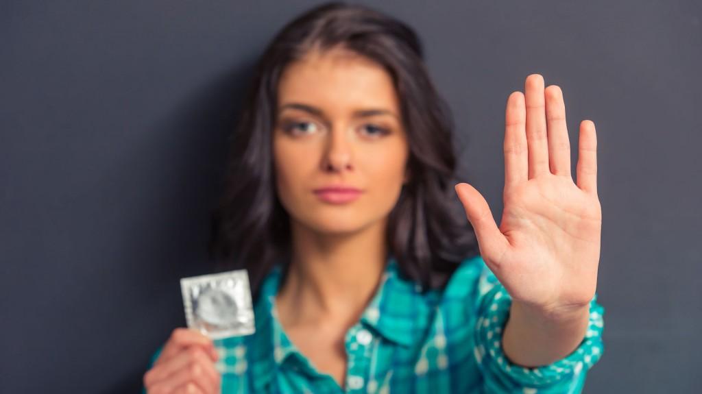 Lo que más pone inseguras a las mujeres es que los hombres no quieran usar preservativo (Shutterstock)