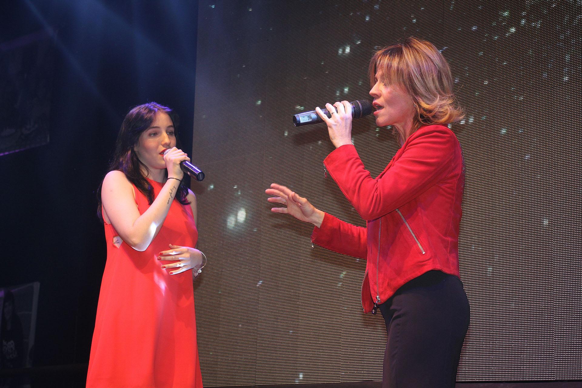 Marcela Morelo cantó con Rocío, la hija de Lucía Galán