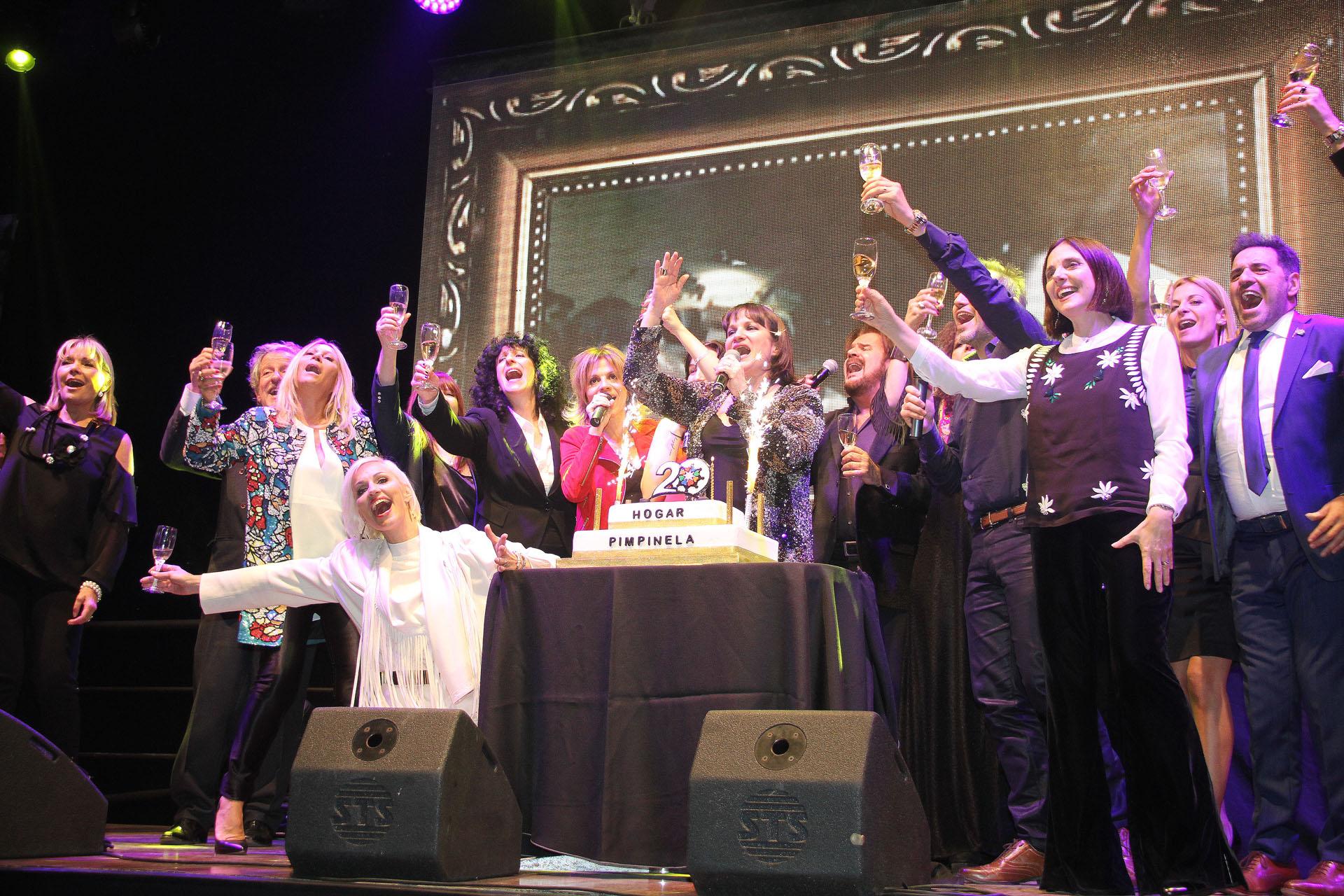 Muchas figuras participaron de la celebración que organizaron los Pimpinela por el aniversario del hogar (Crédito: Verónica Guerman / Teleshow)
