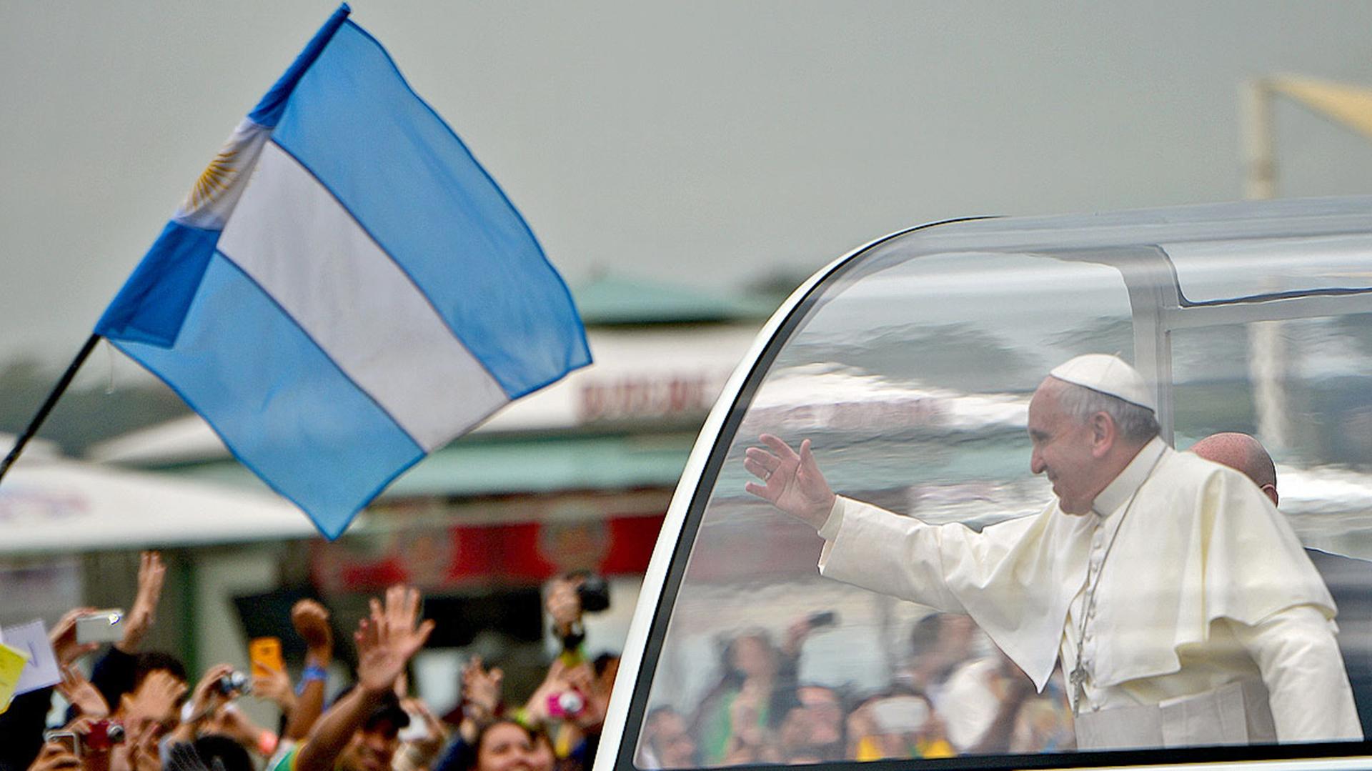 """El papa Francisco pidió a Dios """"que bendiga nuestra Patria"""" (AFP)"""