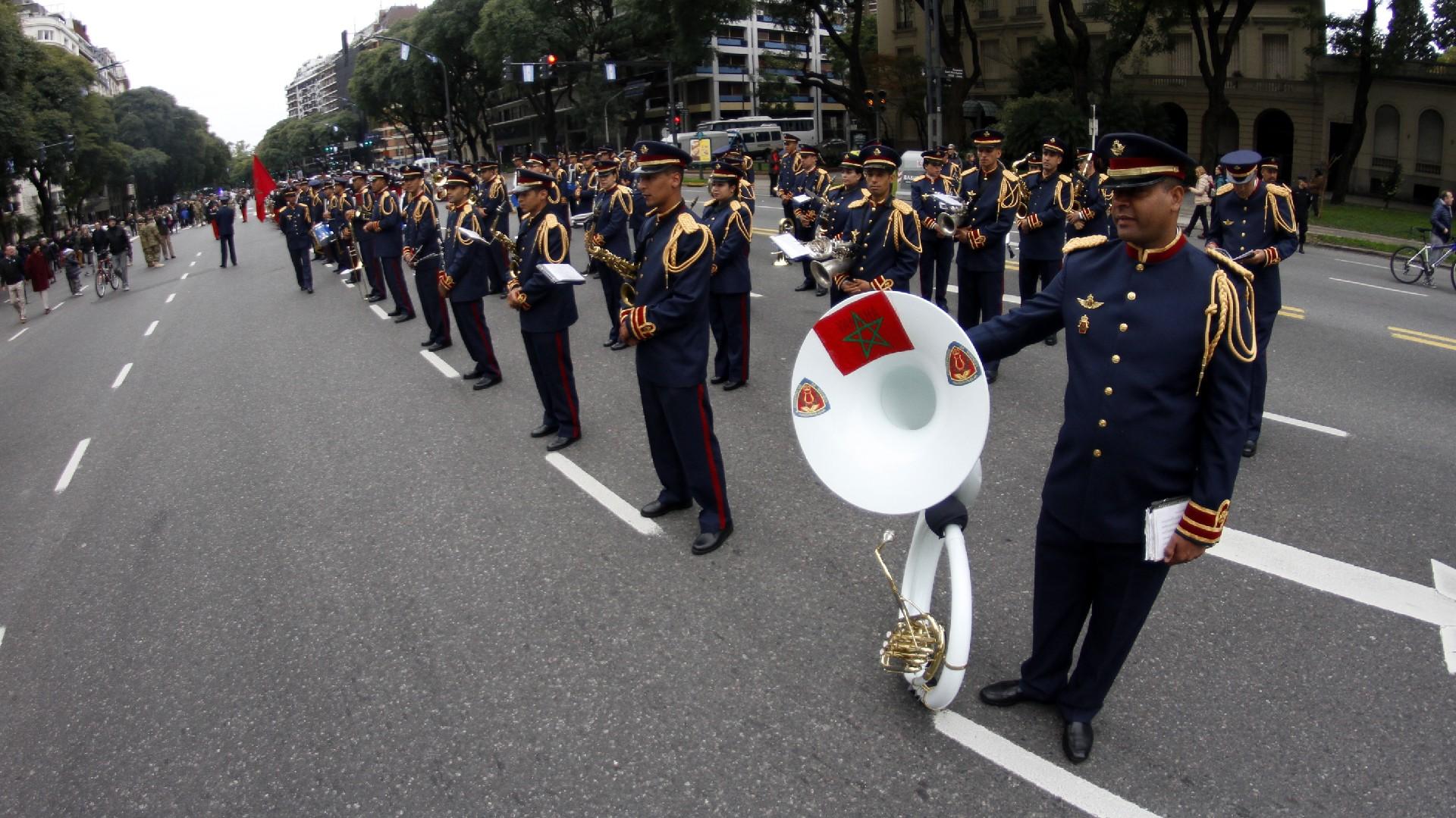 Festejos por el Bicentenario de Argentina Desfile-Bicentenario-1920-2