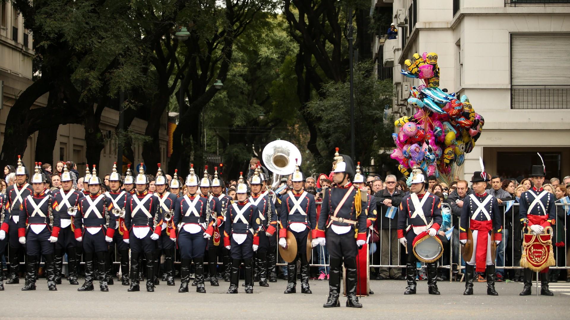 Festejos por el Bicentenario de Argentina Desfile-Bicentenario-1920-10
