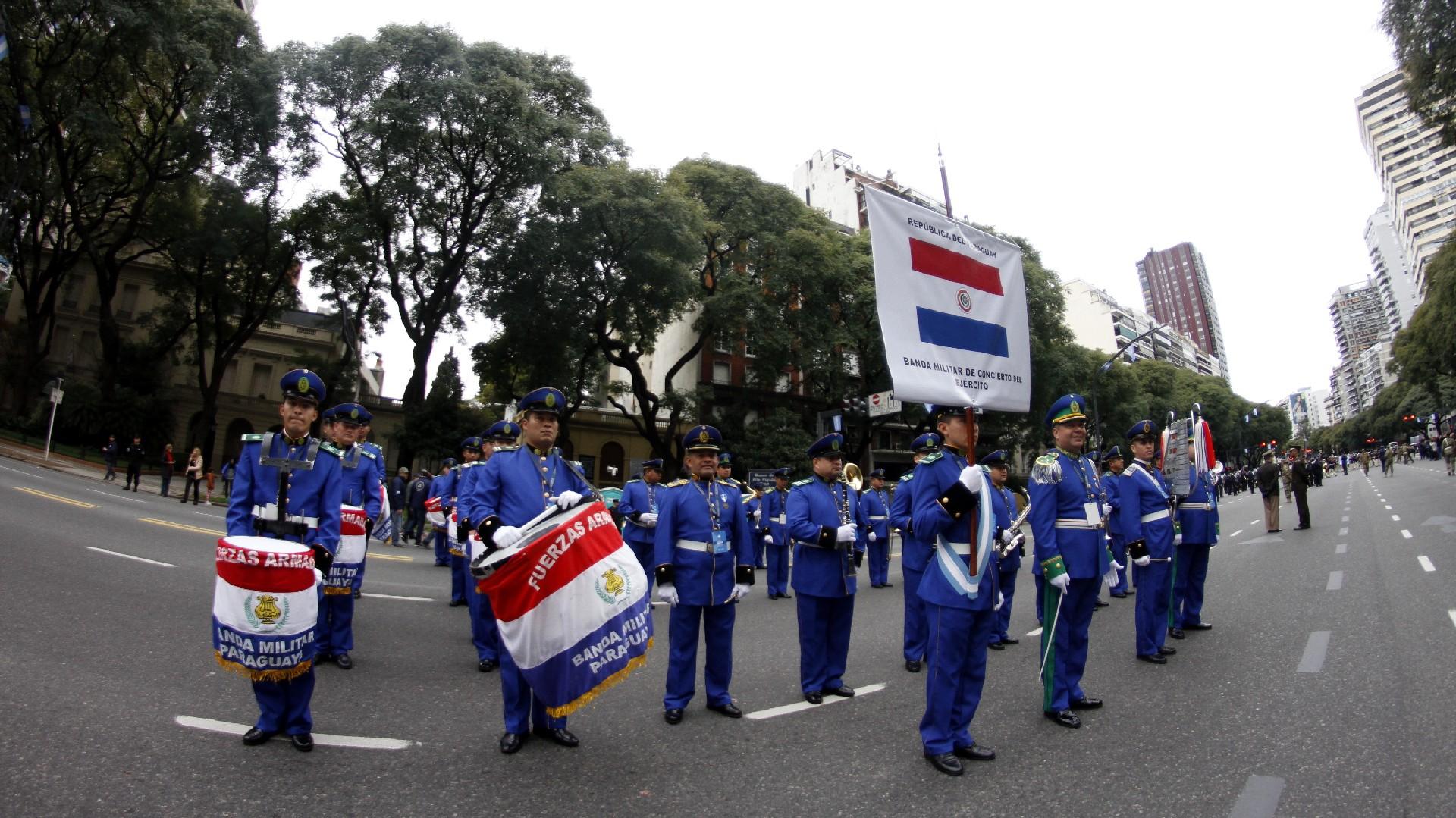 Festejos por el Bicentenario de Argentina Desfile-Bicentenario-tanda-2-1920-2