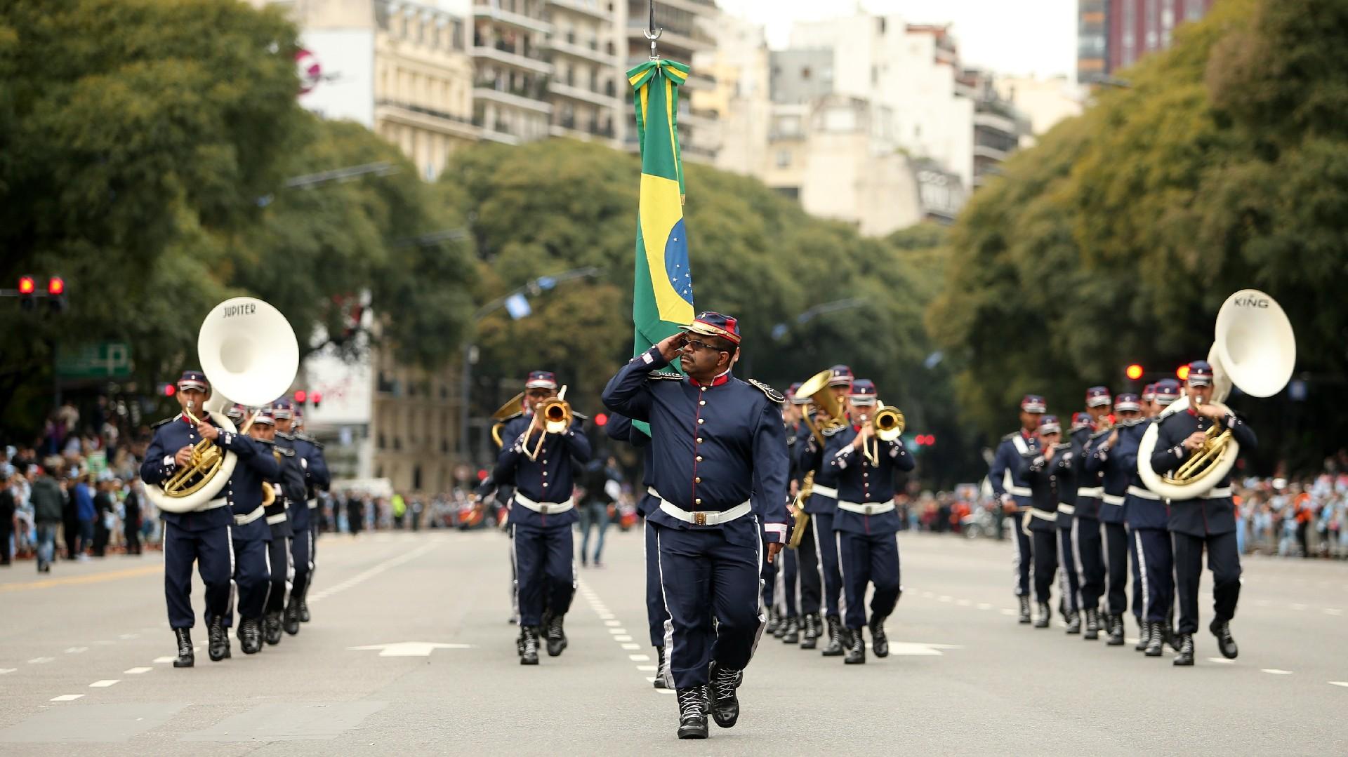Festejos por el Bicentenario de Argentina Desfile-Bicentenario-tanda-2-1920-7
