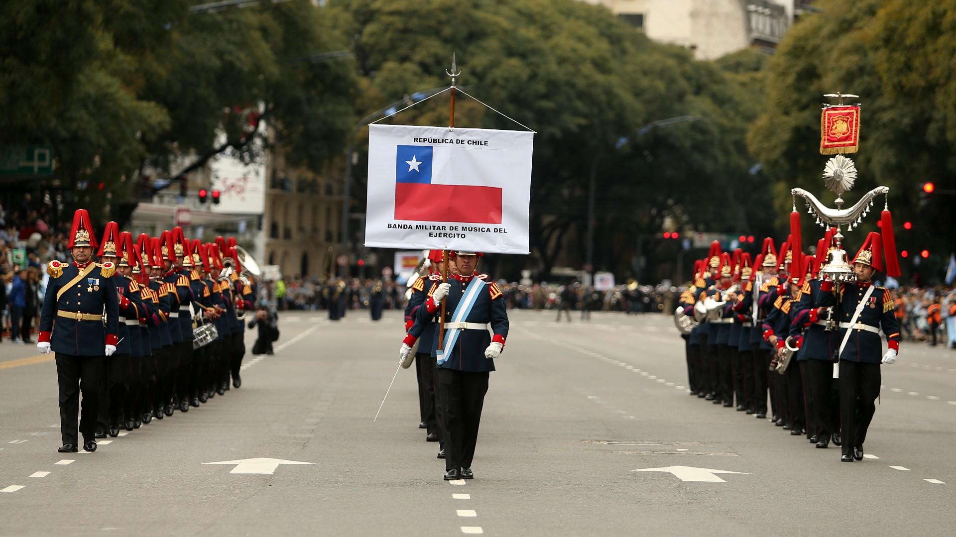 Festejos por el Bicentenario de Argentina Desfile-Bicentenario-tanda-2-1920-11