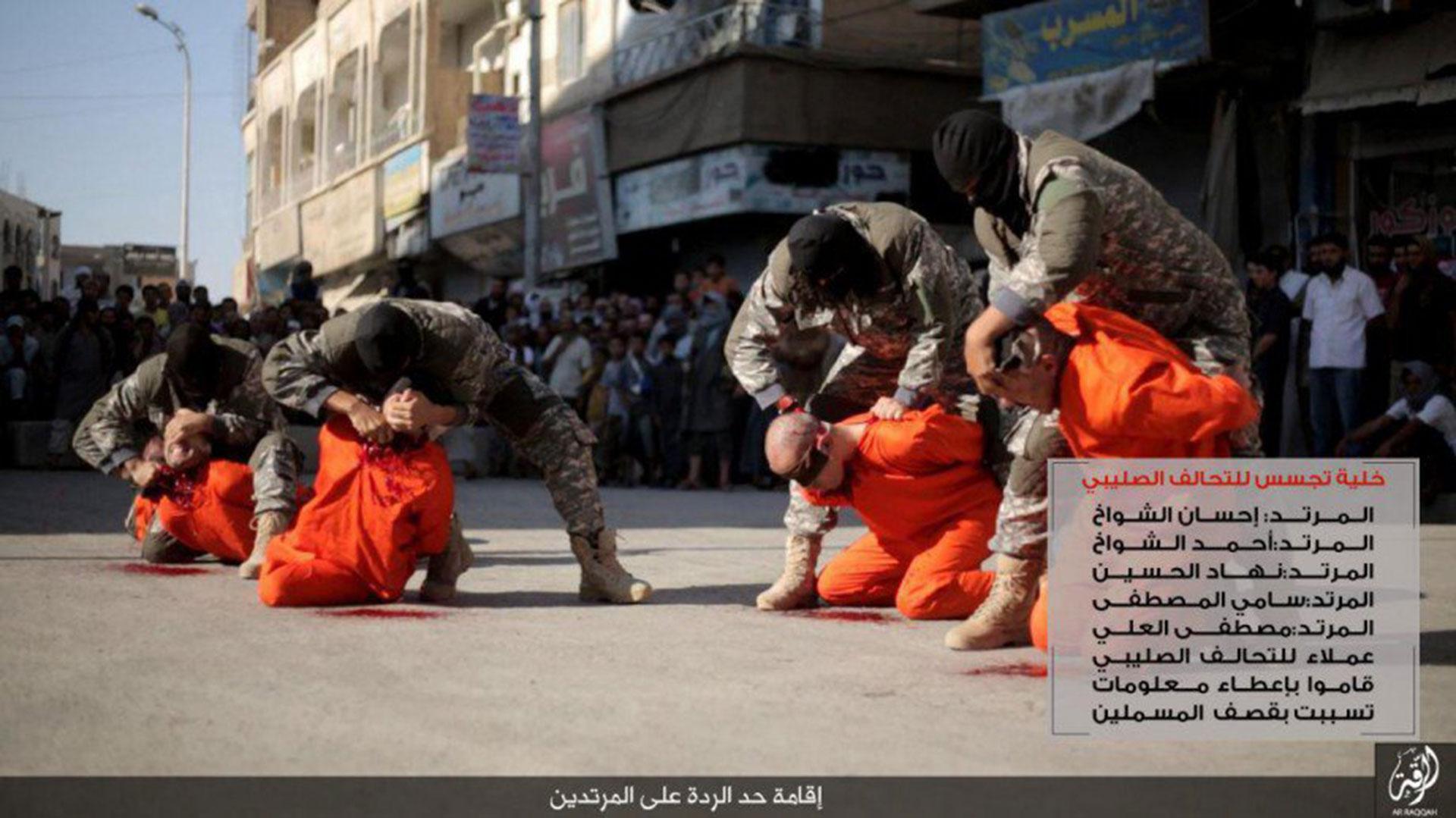 Así fueron decapitados los futbolistas sirios en plena calle de Raqqa por cuatro terroristas de ISIS