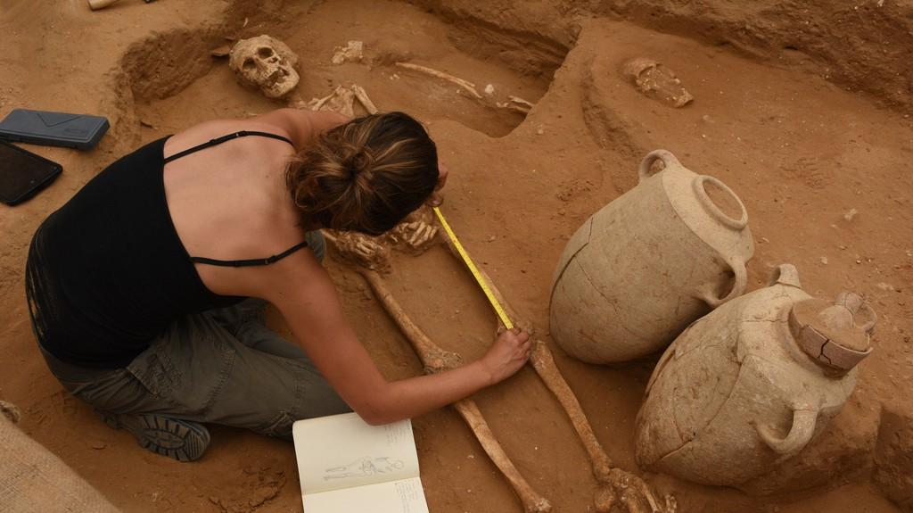 El descubrimiento en Israel de una necrópolis filistea podría develar el origen de uno de los más grandes misterios bíblicos (Leon Levy Expedition)