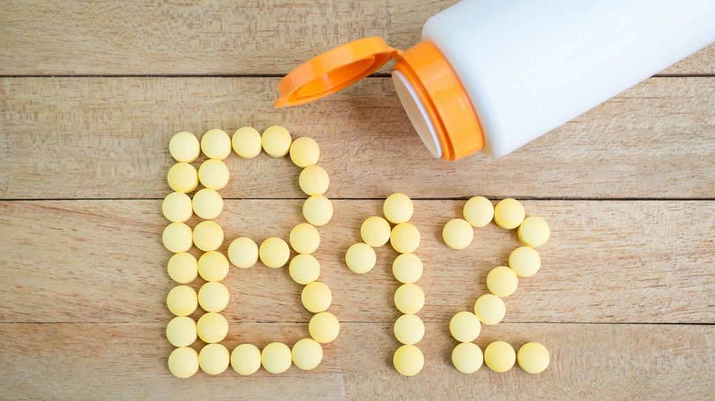 La vitamina B12 es uno de los nutrientes que deben suplementarse en este tipo de dietas (Shutterstock)