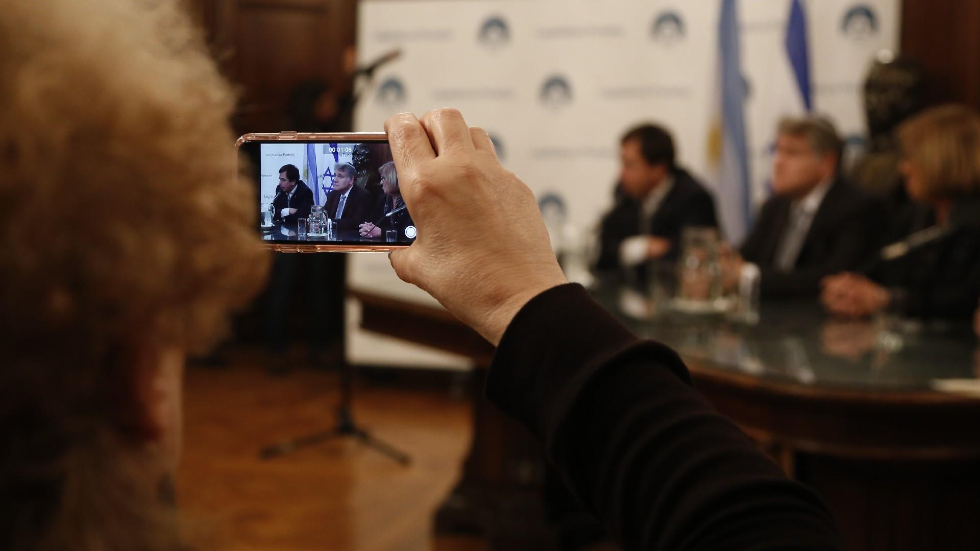 """""""El diálogo es importante para la unión de los argentinos y estamos orgullosos de impulsar este reconocimiento"""", dijo el ex legislador y actual diputado nacional Daniel Lipovetzky"""