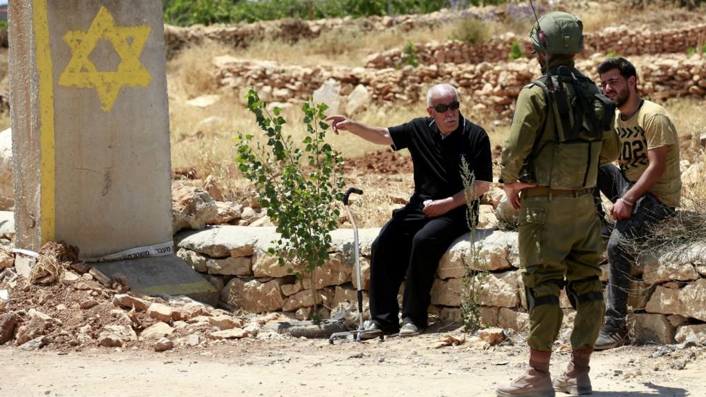 Un palestino murió por disparos israelíes durante un operativo para desmantelar un taller ilegal de armas (EFE)