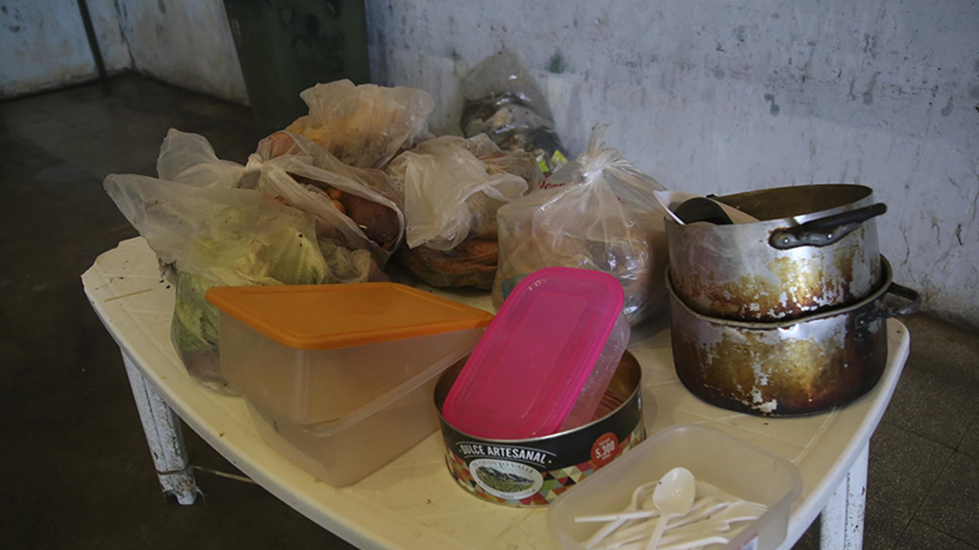 Los presos se niegan a recibir comida de la cocina de Marcos Paz. Una inspección detectó insectos y podredumbre.