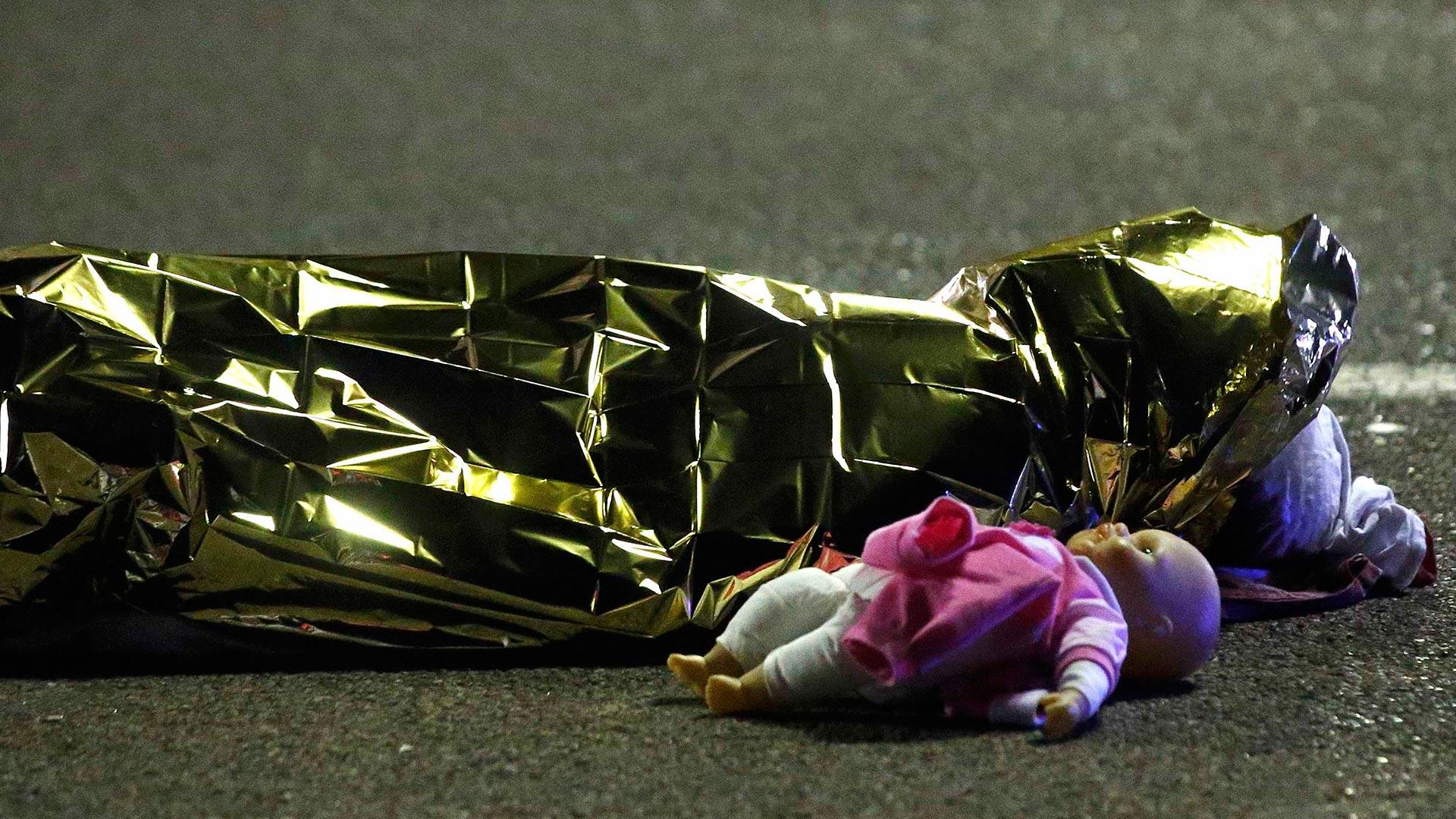 El ataque en Niza dejó al menos 80víctimas fatales (Reuters)