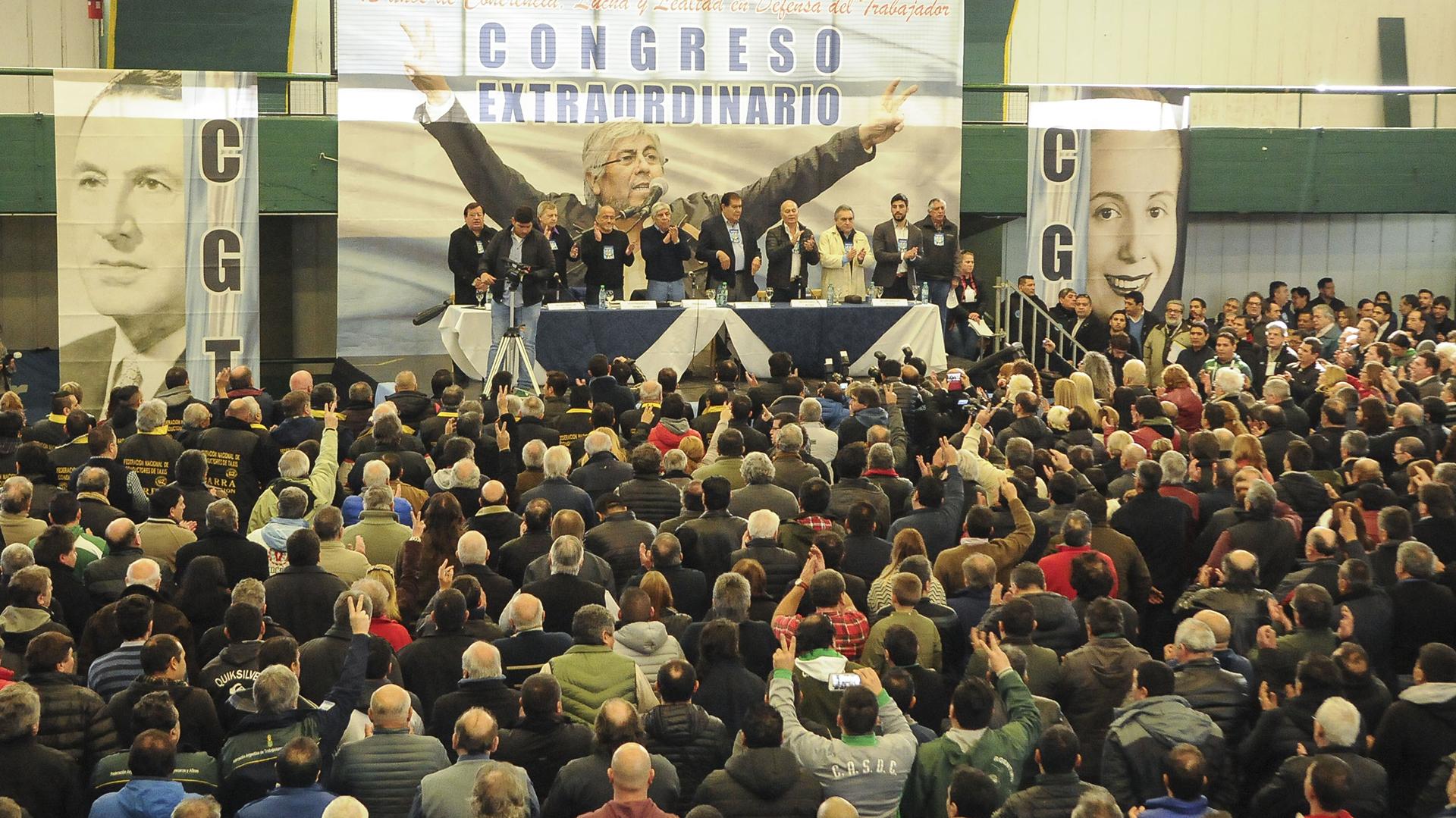 Un Congreso en el que no faltó ningún componente de la liturgia sindical (Télam)