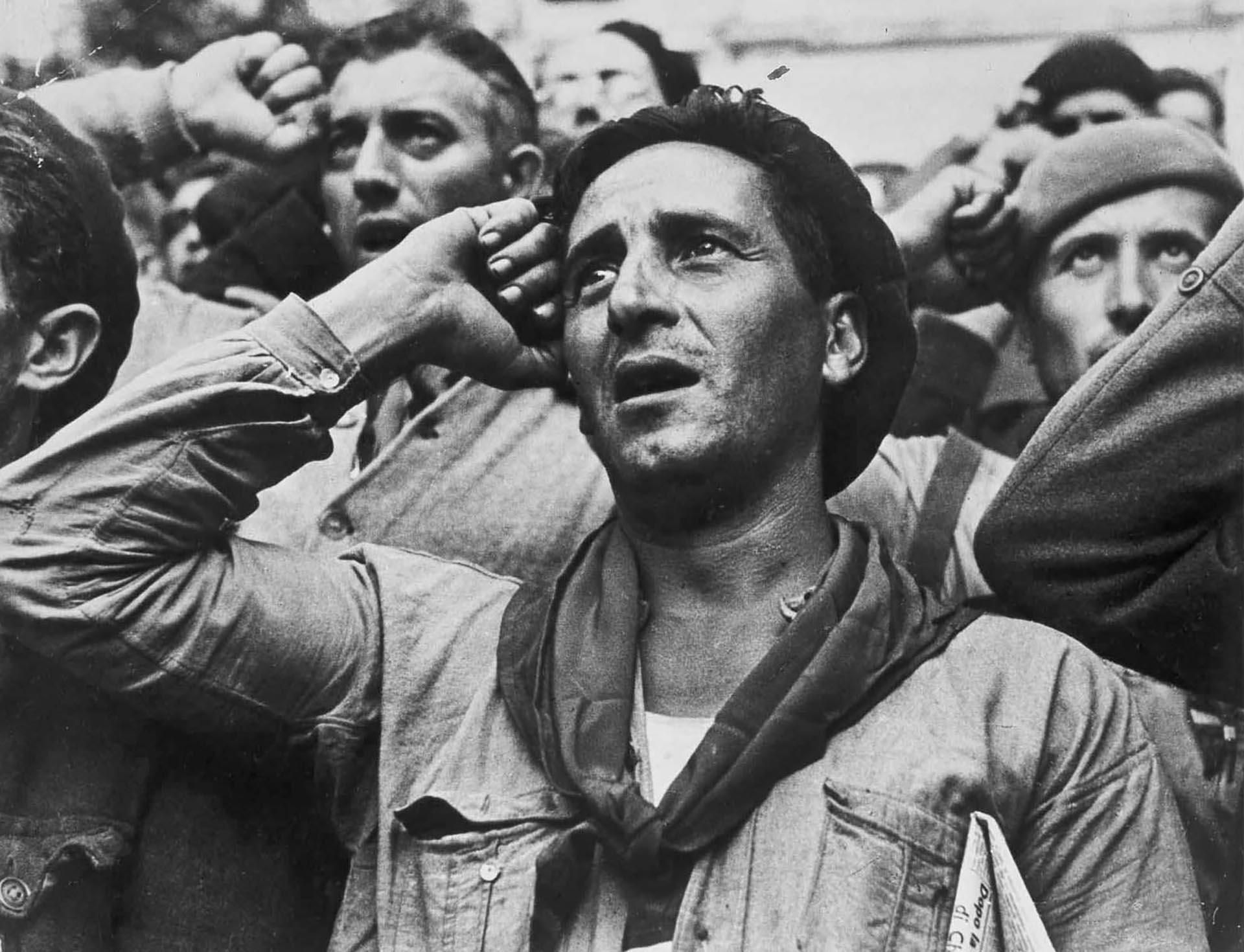 La Guerra Civil Española se inició hace 80 años cuando en Melilla, Ceuta, Tetuán y Larache, los jefes y oficiales del ejército del Norte de África iniciaron una sublevación que al día siguiente se ramificó por toda España (Robert Capa)