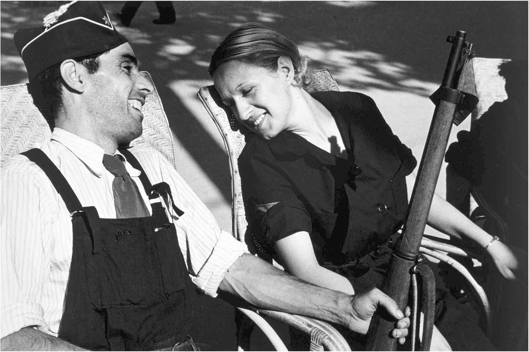 La obra de Robert Capa no solo muestra las atrocidades de guerra, sino la vida de la gente en su cotidianeidad (Robert Capa)