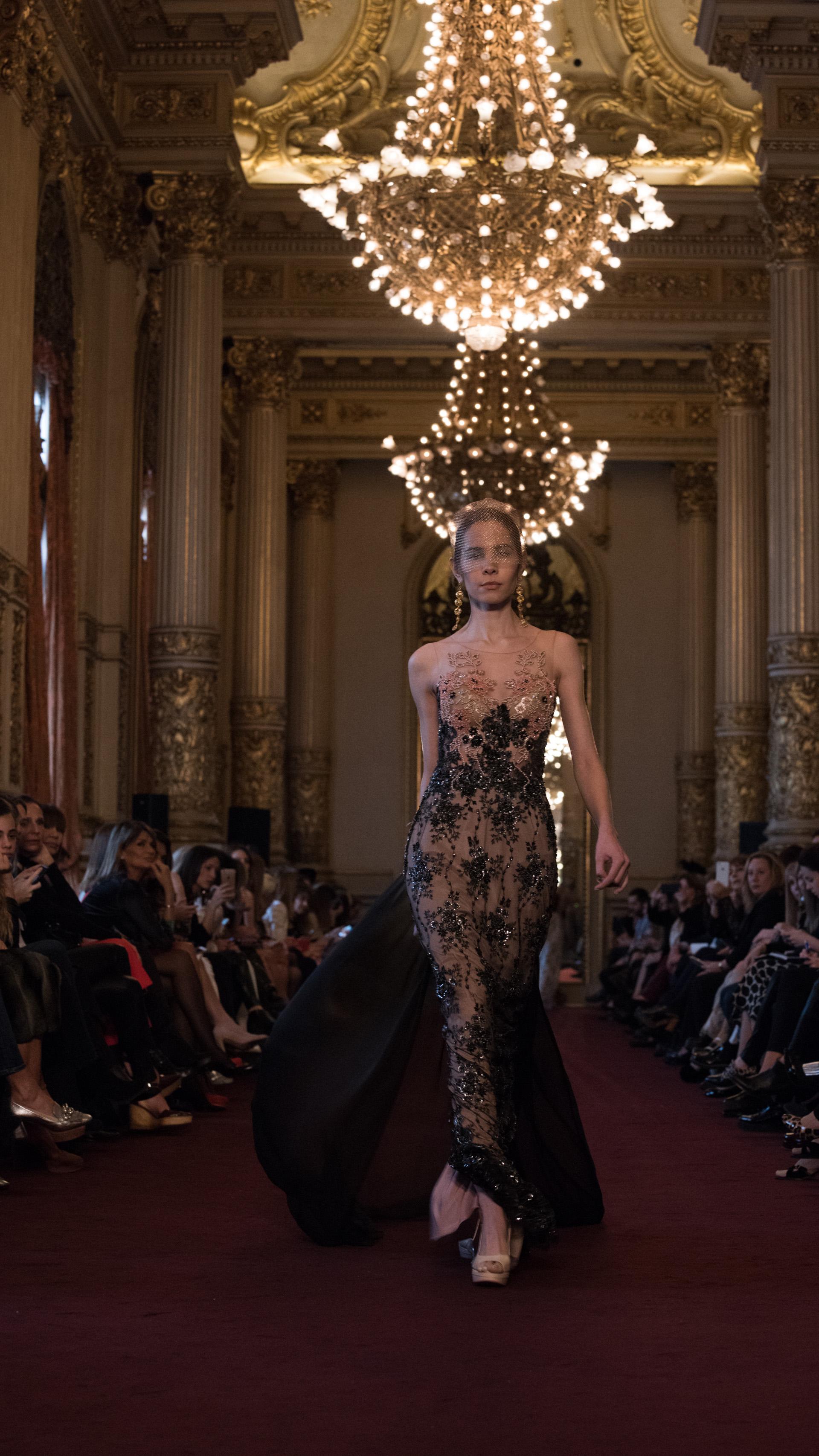 El lujo sofisticado de la alta costura de Laurencio Adot