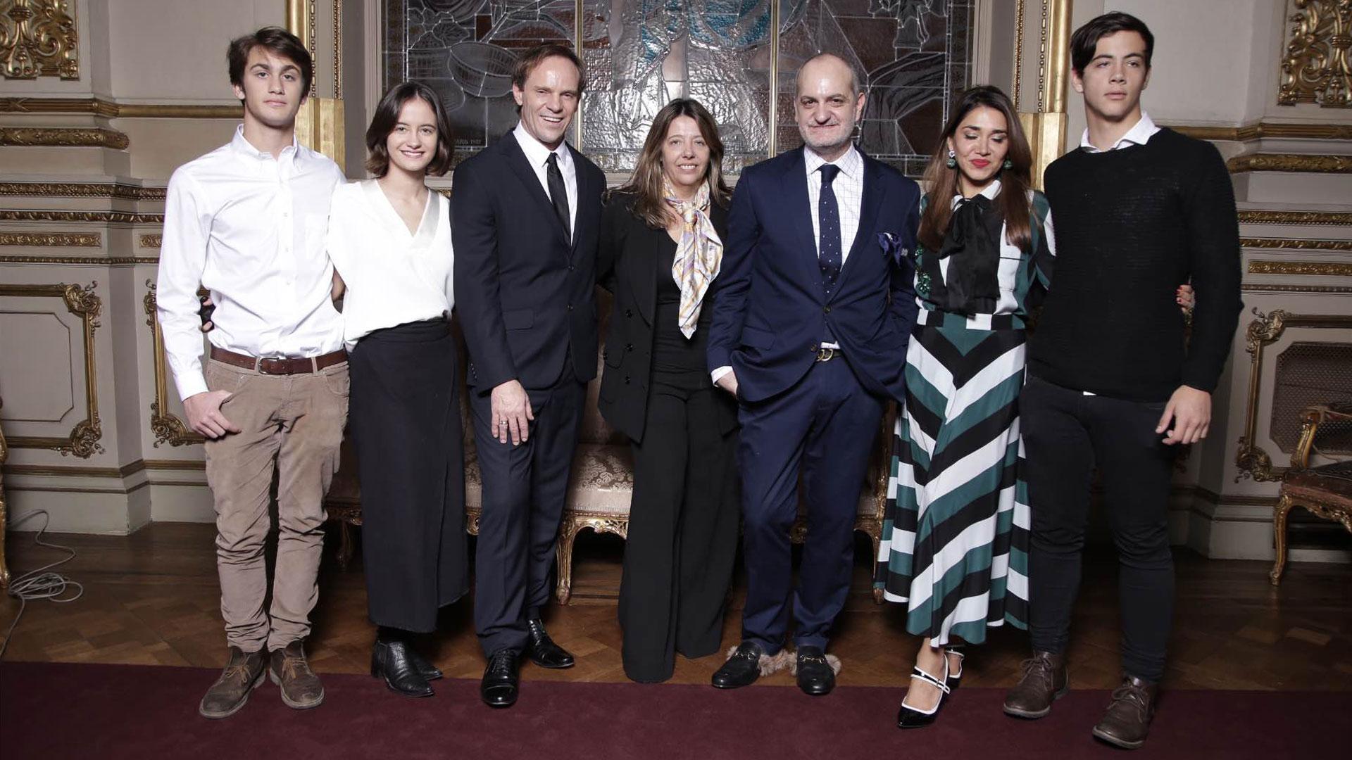 Axel Calicchio, Violeta Juni, Thiago Pinheiro, la PR María Claudia Pedrayes, Laurencio Adot, Vivi Gallo y Marcos Juni