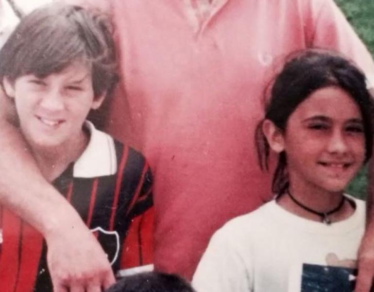 Una de las primeras fotos de Lionel Messi junto a Antonella Roccuzzo, cuando él jugaba en Newell's