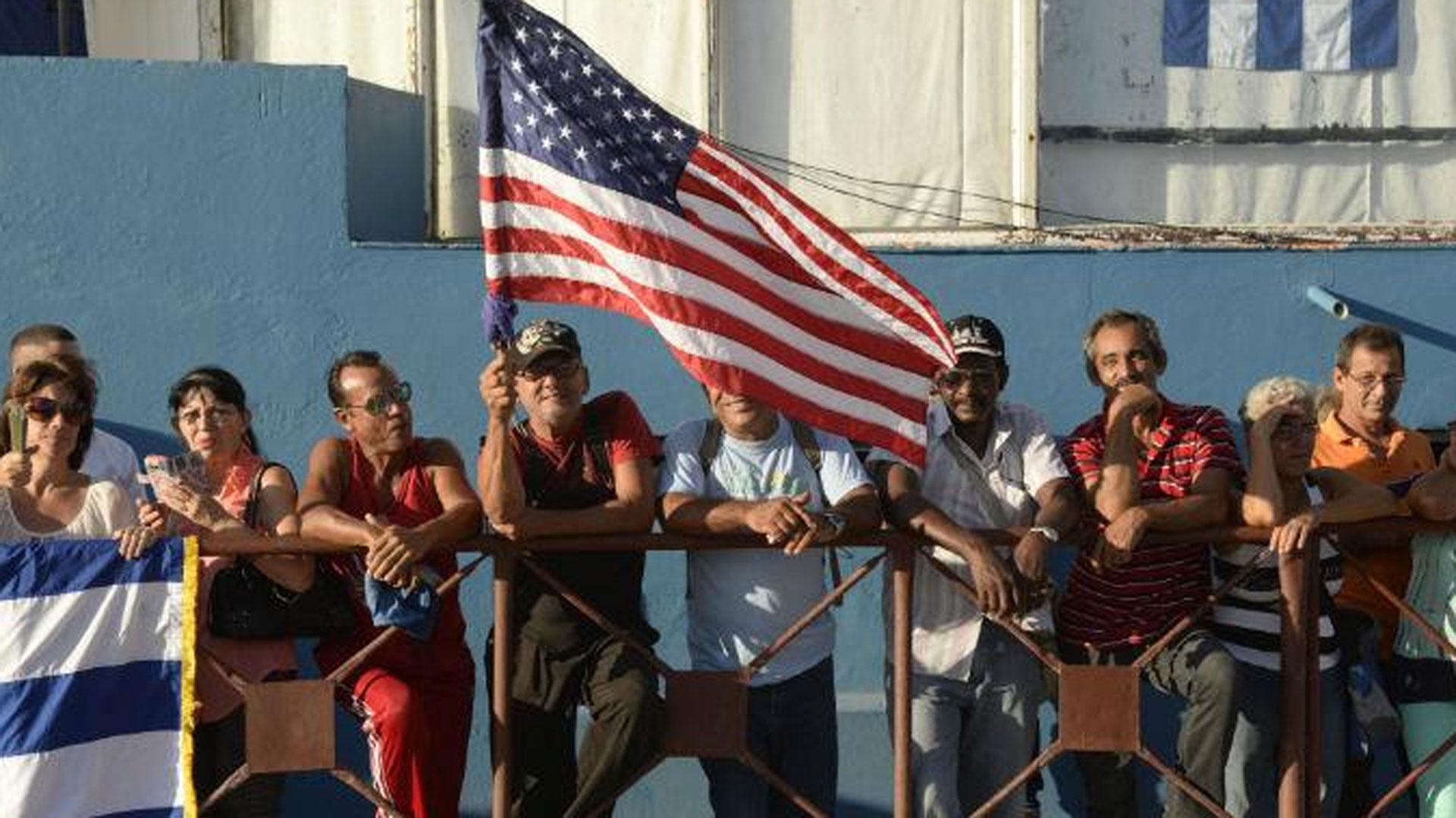 Las colas cada vez menos nutridas son muestras de la desaceleración en el otorgamiento de visas de turistas a los cubanos que desean viajar fuera de la Isla