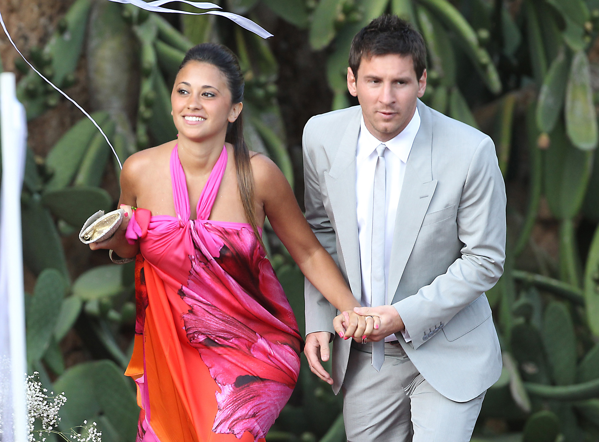 Año 2012. Lío y Antonela se iban a convertir en familia. Juntos y felices se mostraron en la boda de Andrés Iniesta y Anna Ortiz en Tarragona