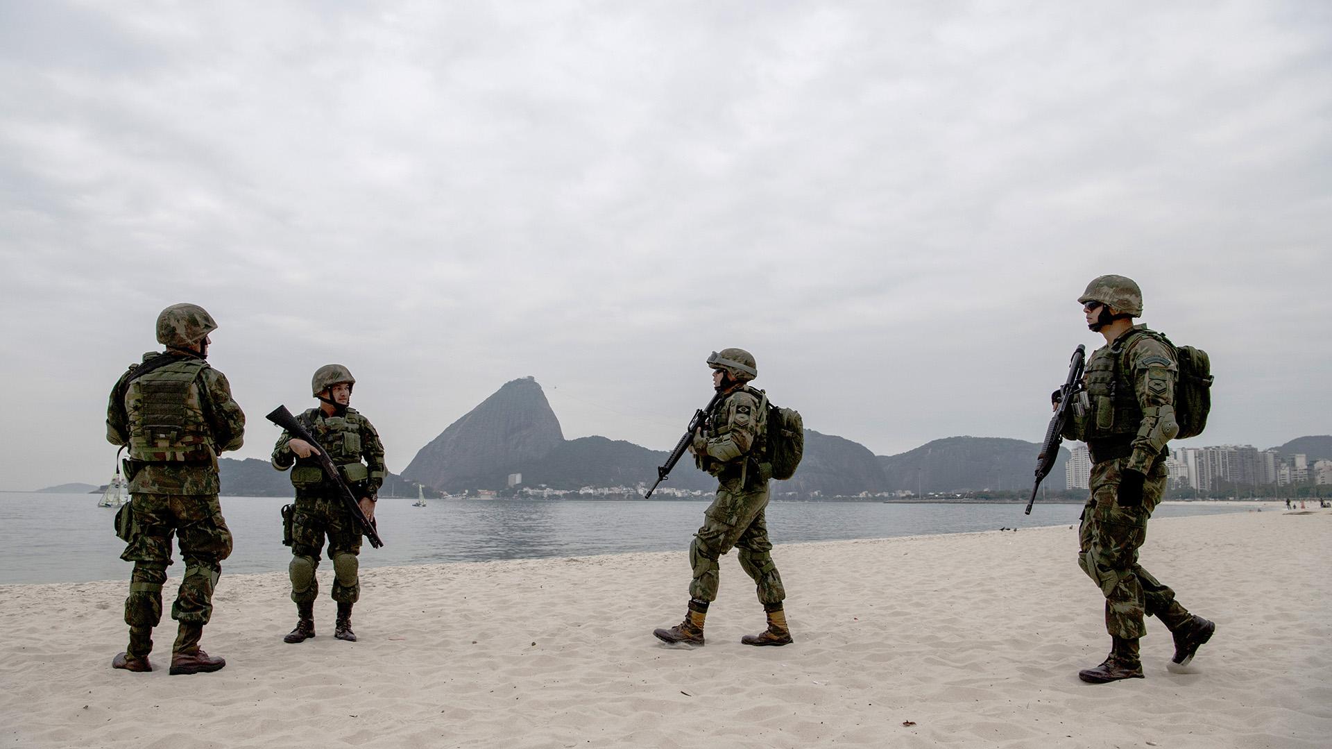 En total, unos 85.000 efectivos, 41.000 de ellos militares, integrarán el megaoperativo de seguridad para estas Olimpíadas (AFP)
