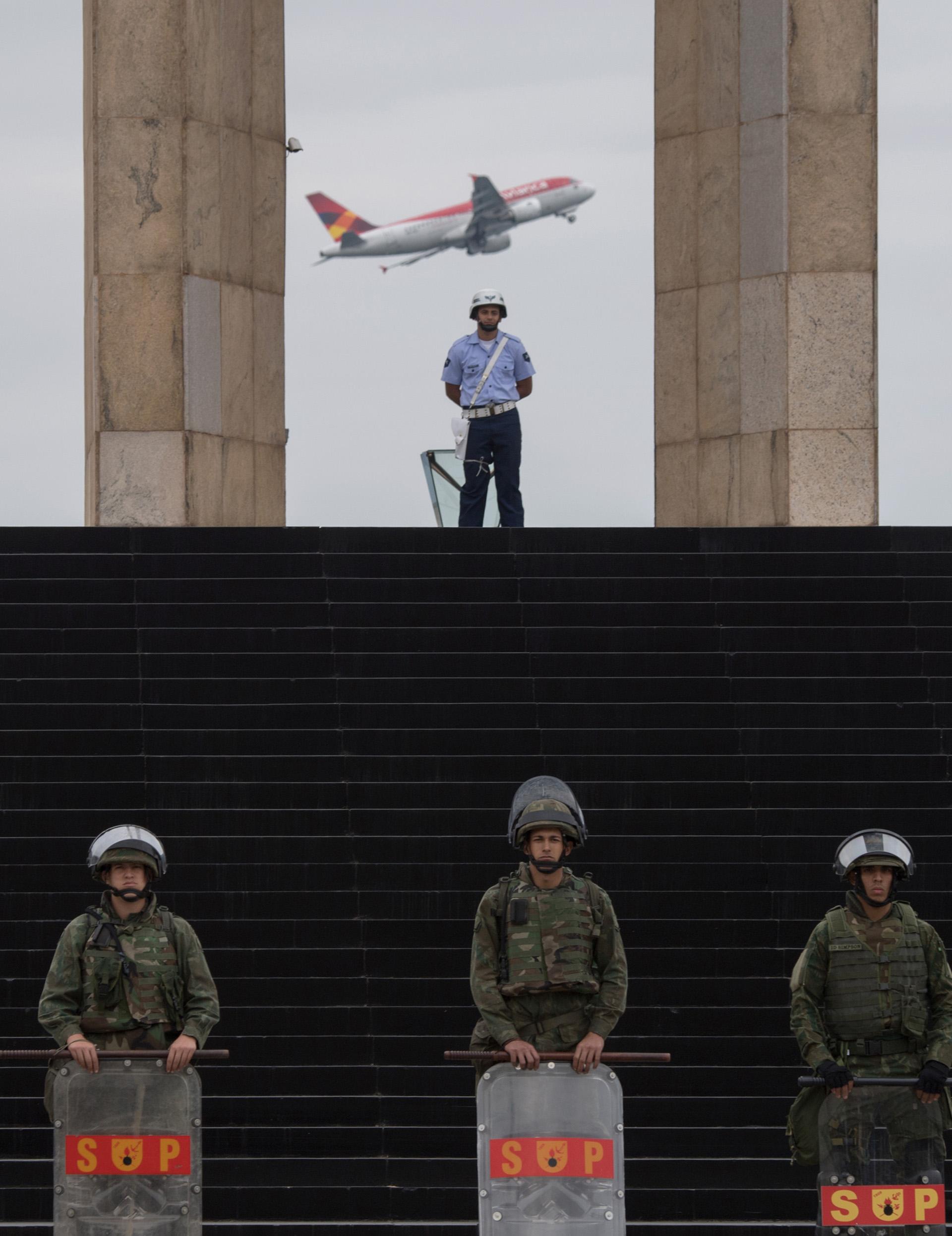 La Fuerza de Seguridad Nacional ya está en Río de Janeiro desde principios de este mes y cada día realizan simulacros y ejercicios de entrenamiento en coordinación con la policía civil y militar (AFP)