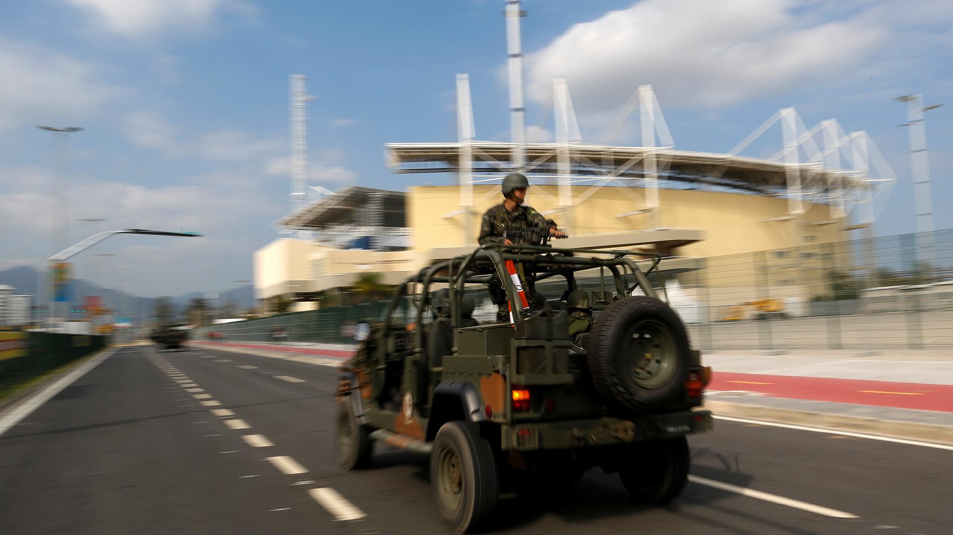 El poder Ejecutivo inyectó 900 millones de dólares a la gobernación de Río para solventar costear los salarios de policías y bomberos (REUTERS)