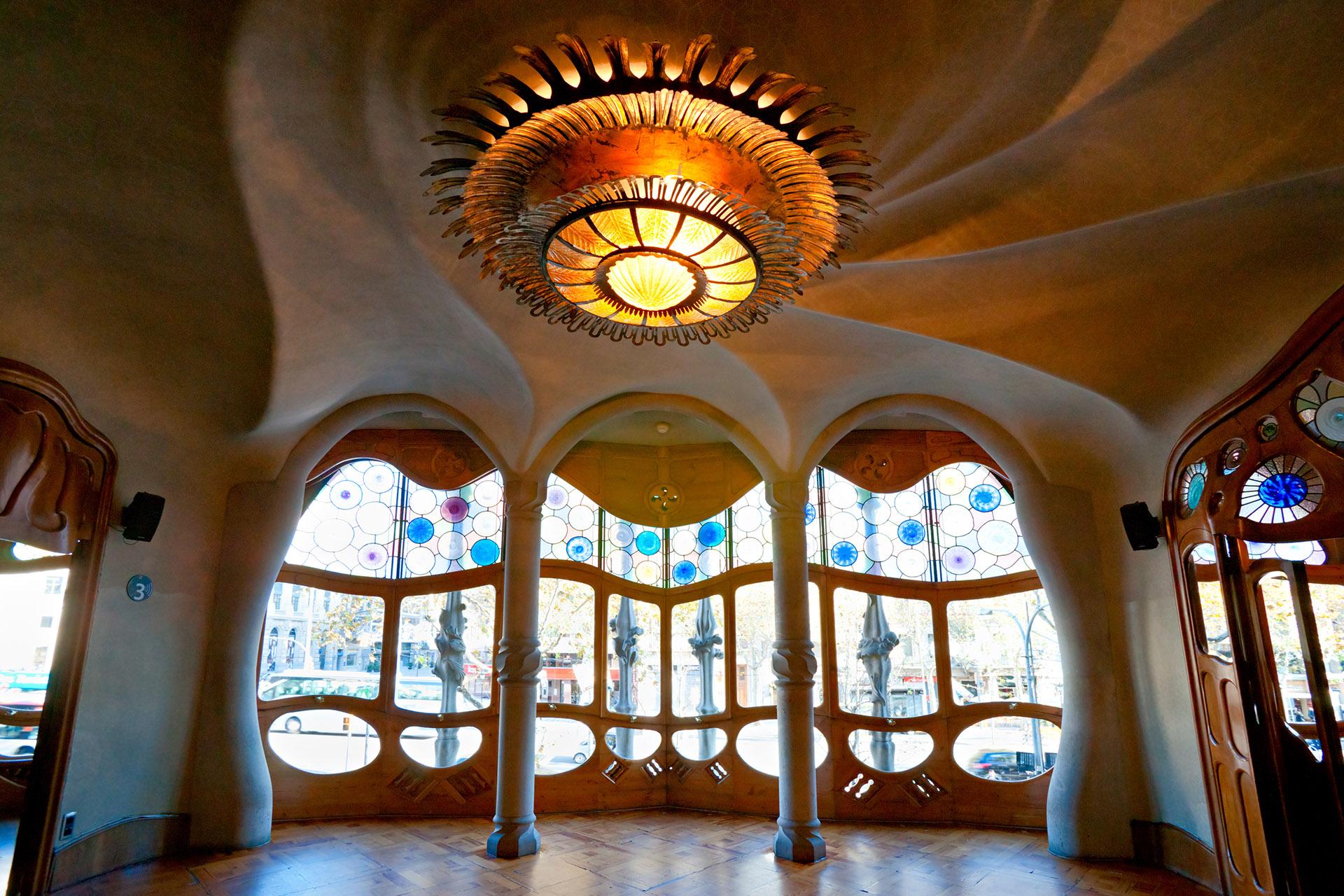 Detalle del interior de la Casa Batló cuyas formas orgánicas describen el típico estilo de Gaudí