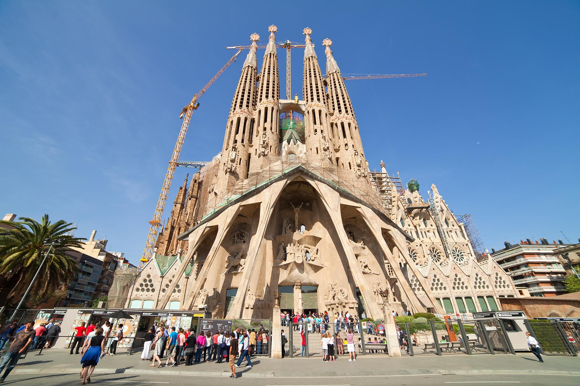 La Sagrada Familia, templo concebido partir de la tradición de las catedrales góticas y bizantinas