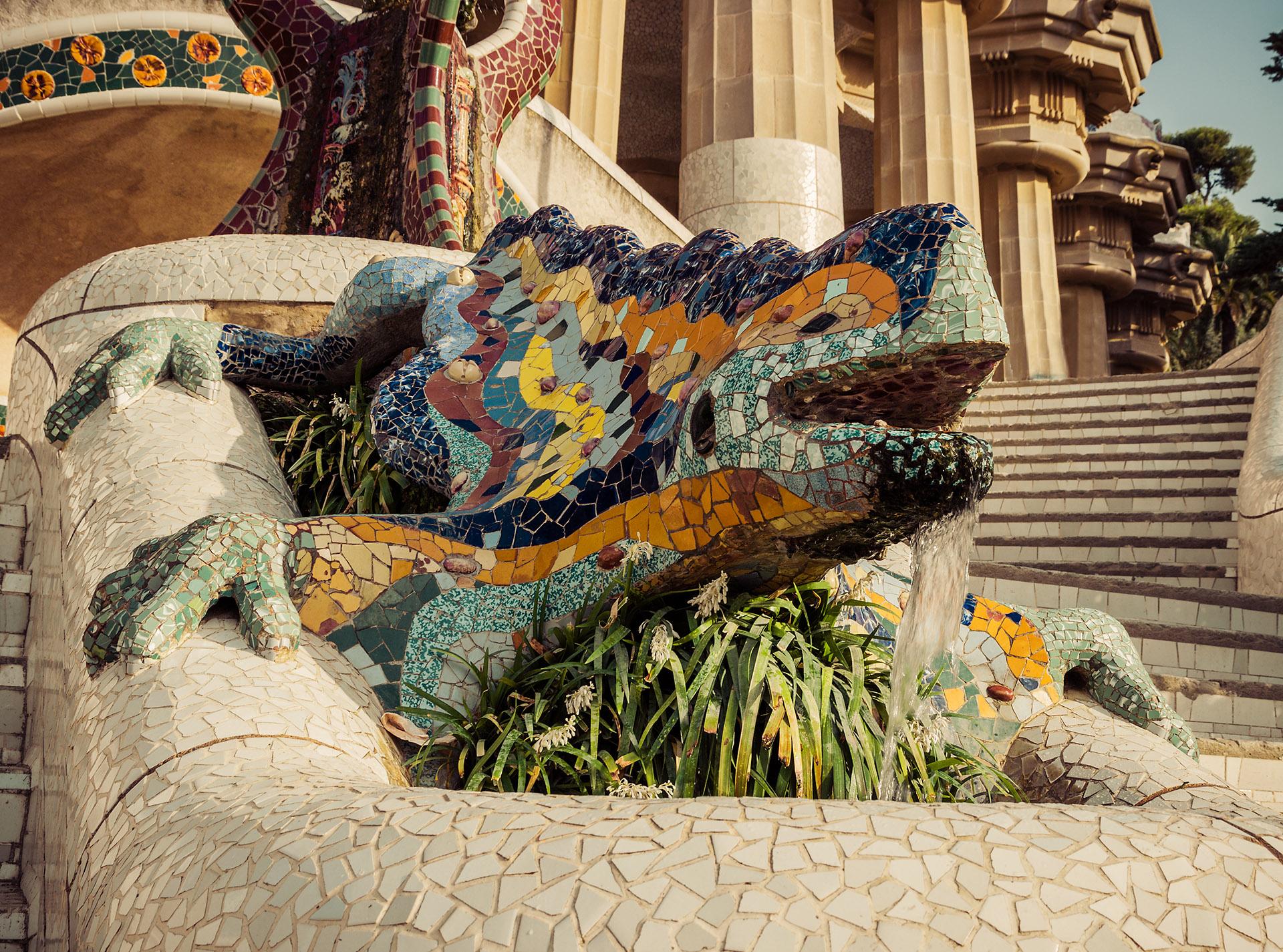 Detalle de la famosa salamandra del Park Guell