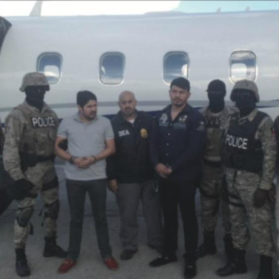 Efraín Antonio Campo Flores y Franqui Francisco Flores de Freitas, de 29 y 30 años respectivamente fueron arrestados en Haití en 2015 mientras intentaban traficar 800 kilos de cocaína