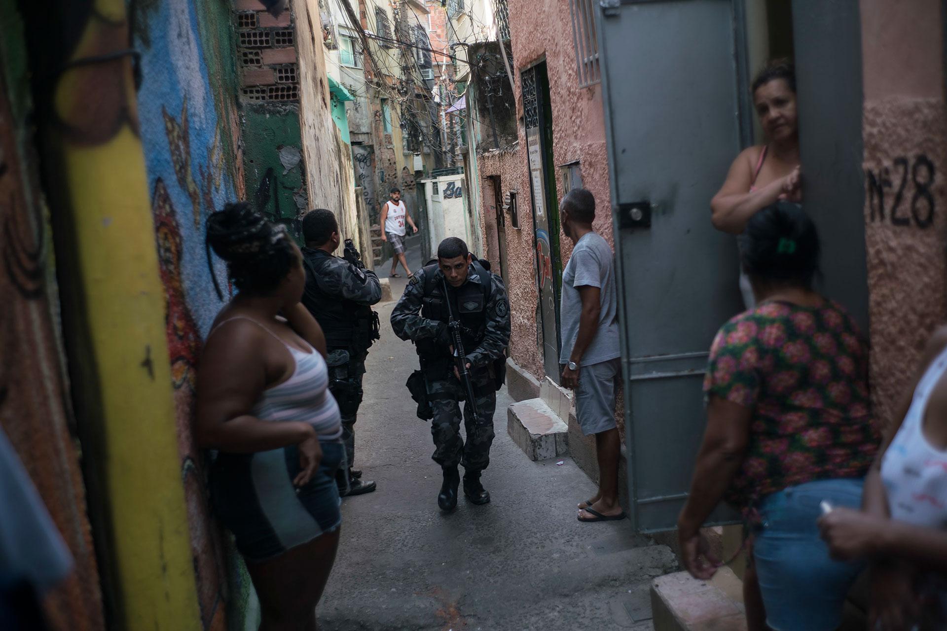 Los brasileños con menores ingresos suelen preferir partidos de izquierda (AP)